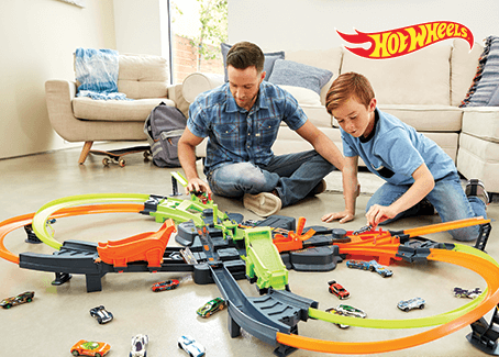 Hot Wheels® Colossal Crash Track Set