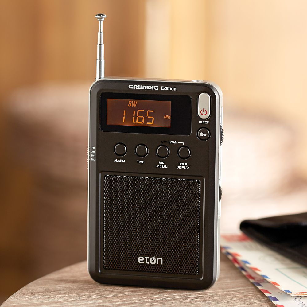 Grundig Pocket AM/FM Shortwave Radio
