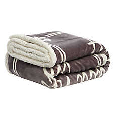 """PetSmart Holiday """"All You Need is Love"""" Pet Blanket"""