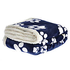 "PetSmart Holiday ""Dogs Leave Paw Prints on Your Heart"" Pet Blanket"