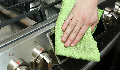 how to keep your oven clean