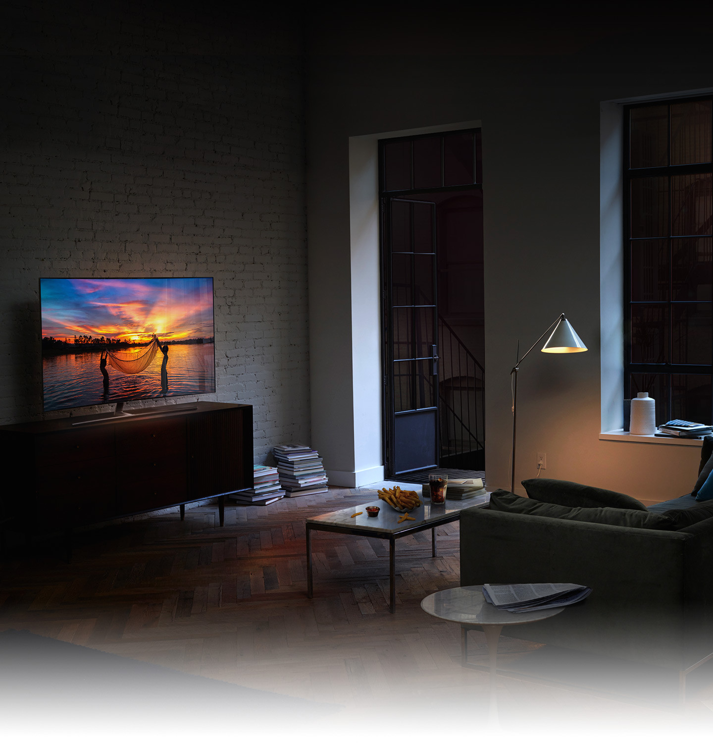 Samsung QLED TV With Quantum Dots: Features & Accessories