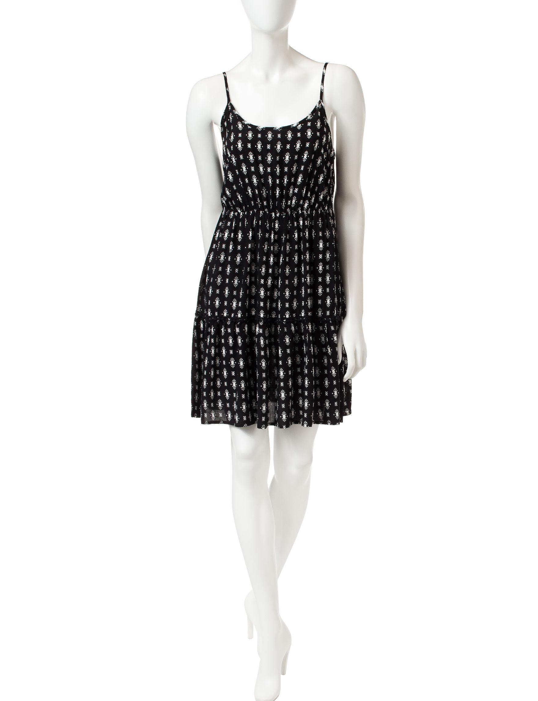Love Fire Black / White Shift Dresses