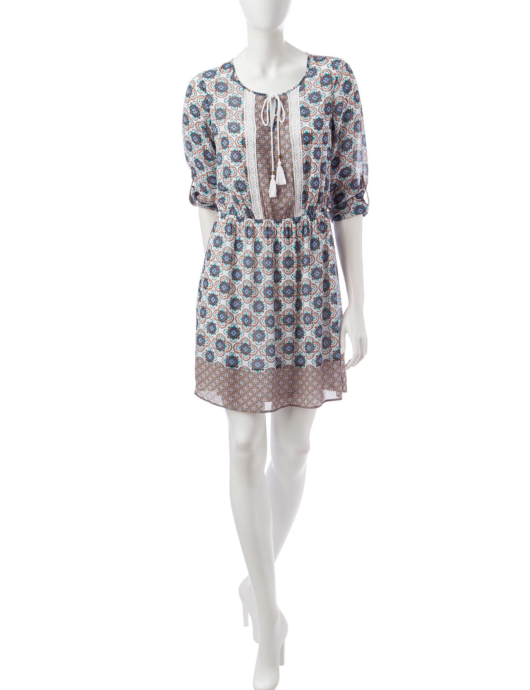 Signature Studio White Multi Everyday & Casual Shift Dresses