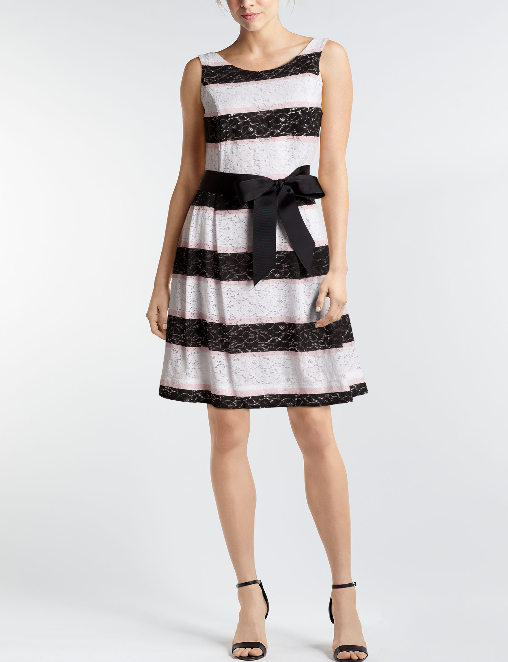 Robbie Bee White / Black Everyday & Casual A-line Dresses
