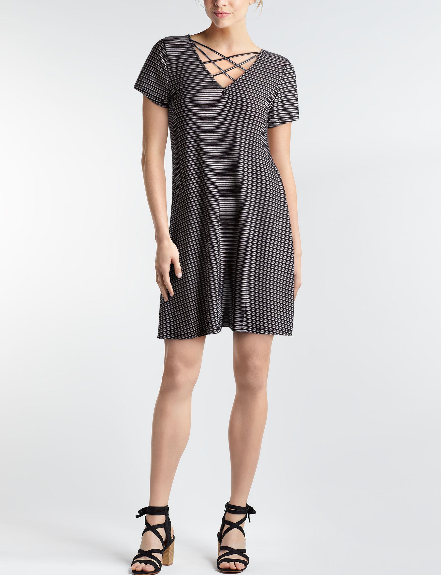 Wishful Park Black / White Everyday & Casual Shift Dresses