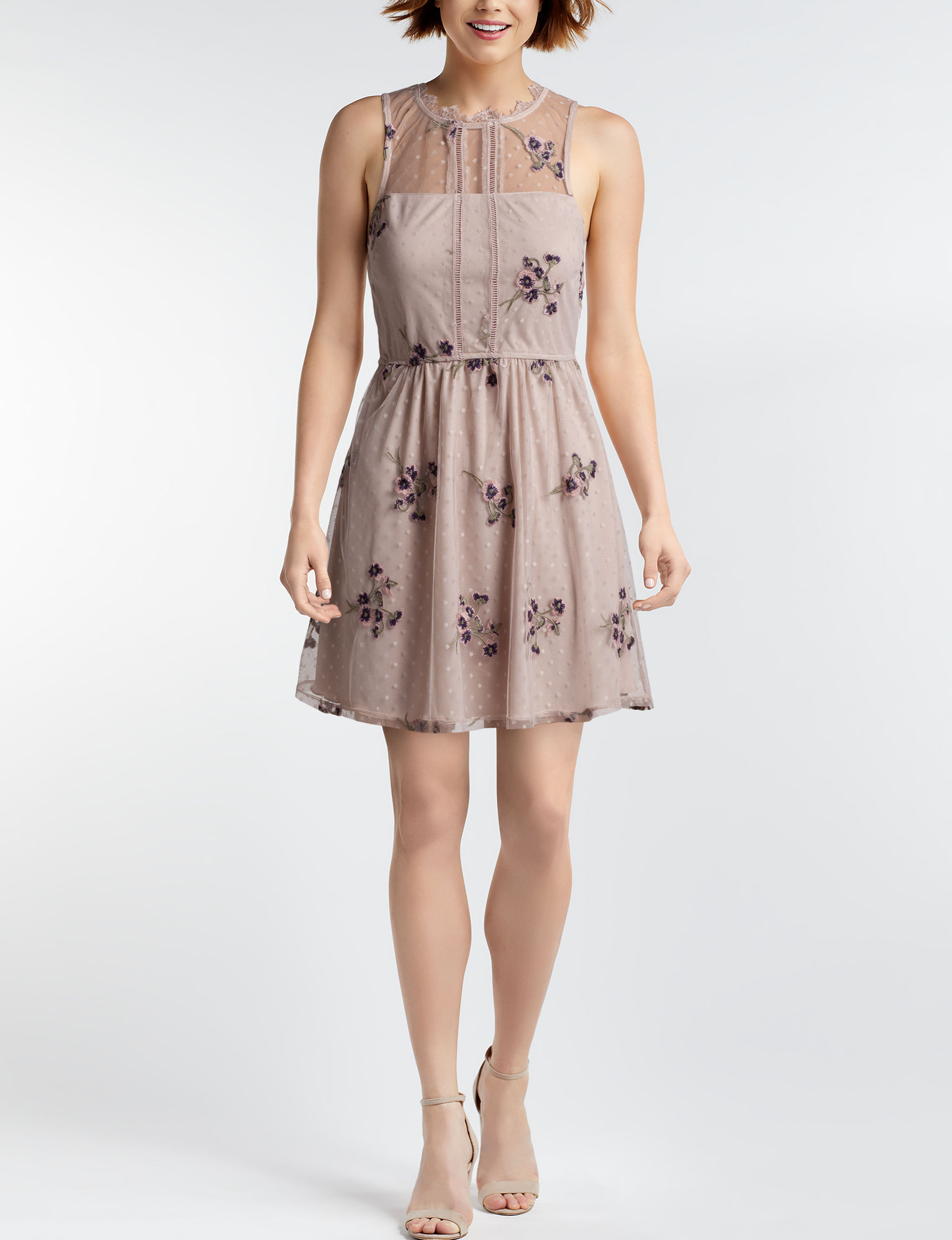Speechless Ivory Everyday & Casual Shift Dresses