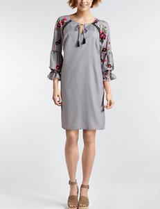 Sangria Ivory / Black Everyday & Casual Shift Dresses