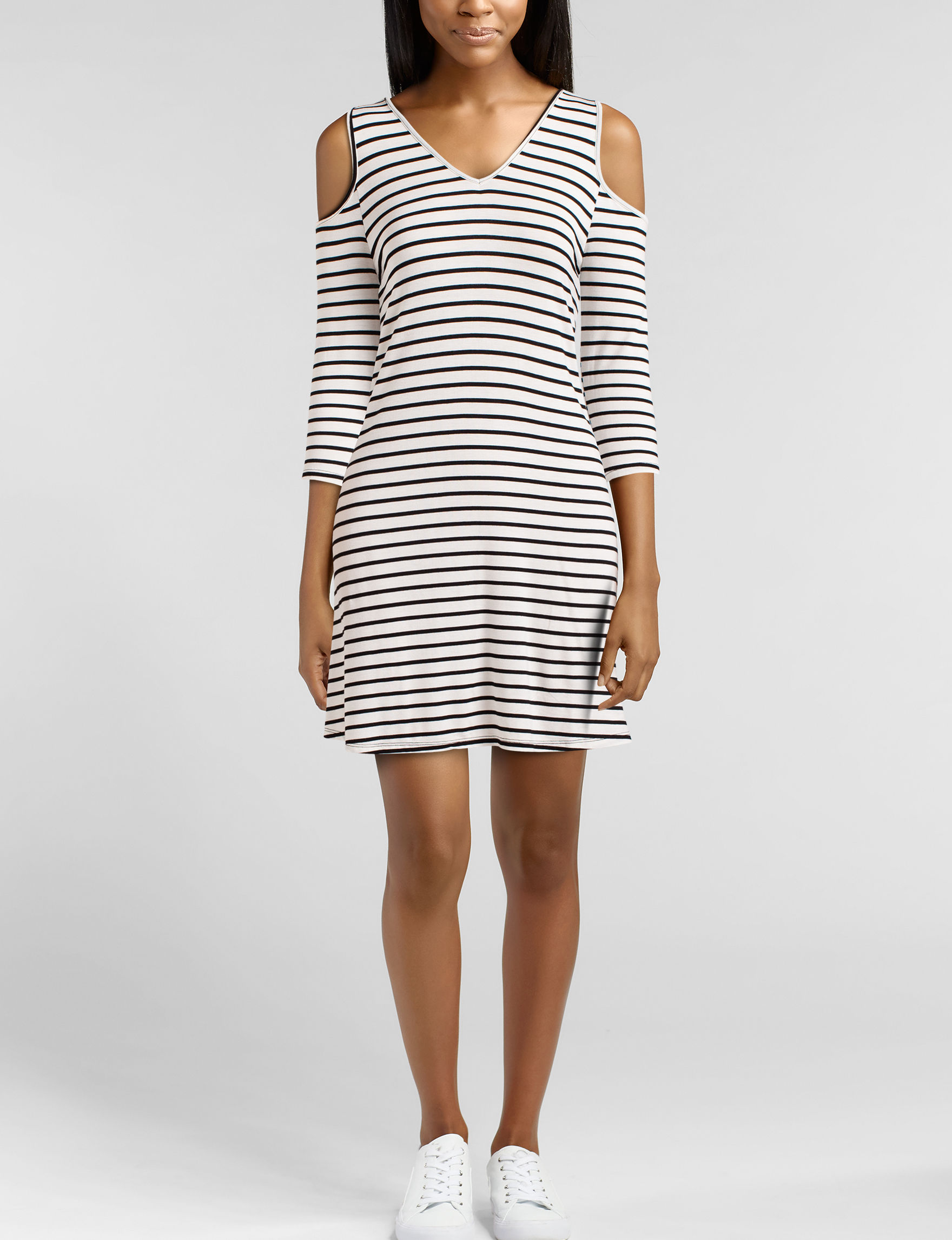 Wishful Park White / Black Everyday & Casual Shift Dresses