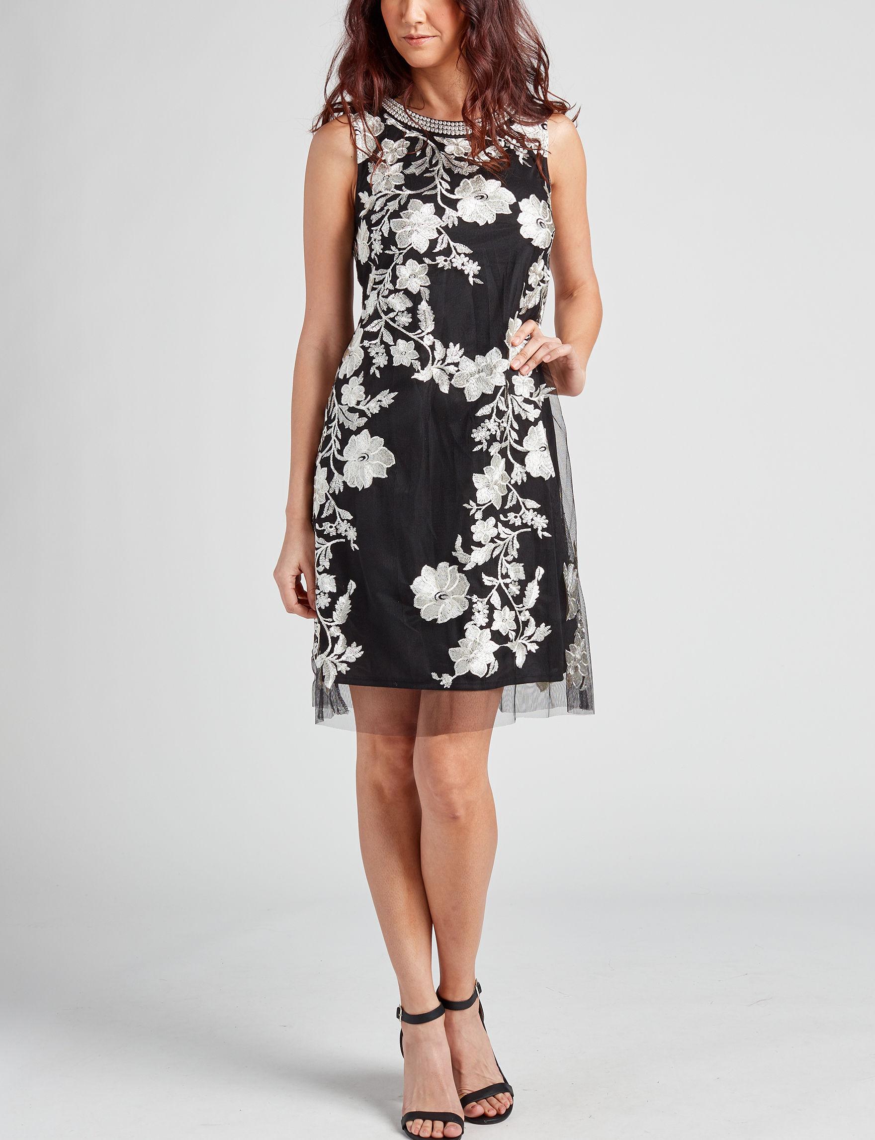 Sandra Darren Black / Ivory Shift Dresses