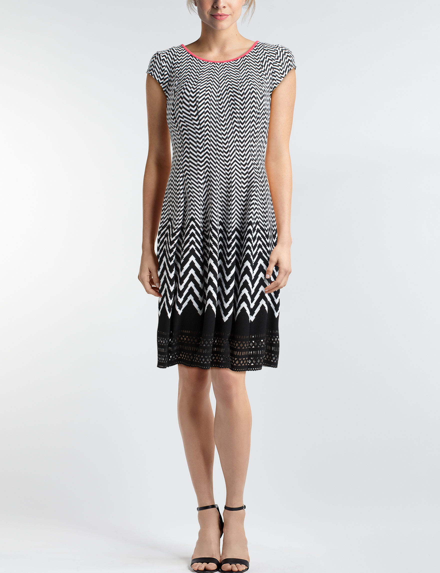 Robbie Bee Black / White Everyday & Casual A-line Dresses