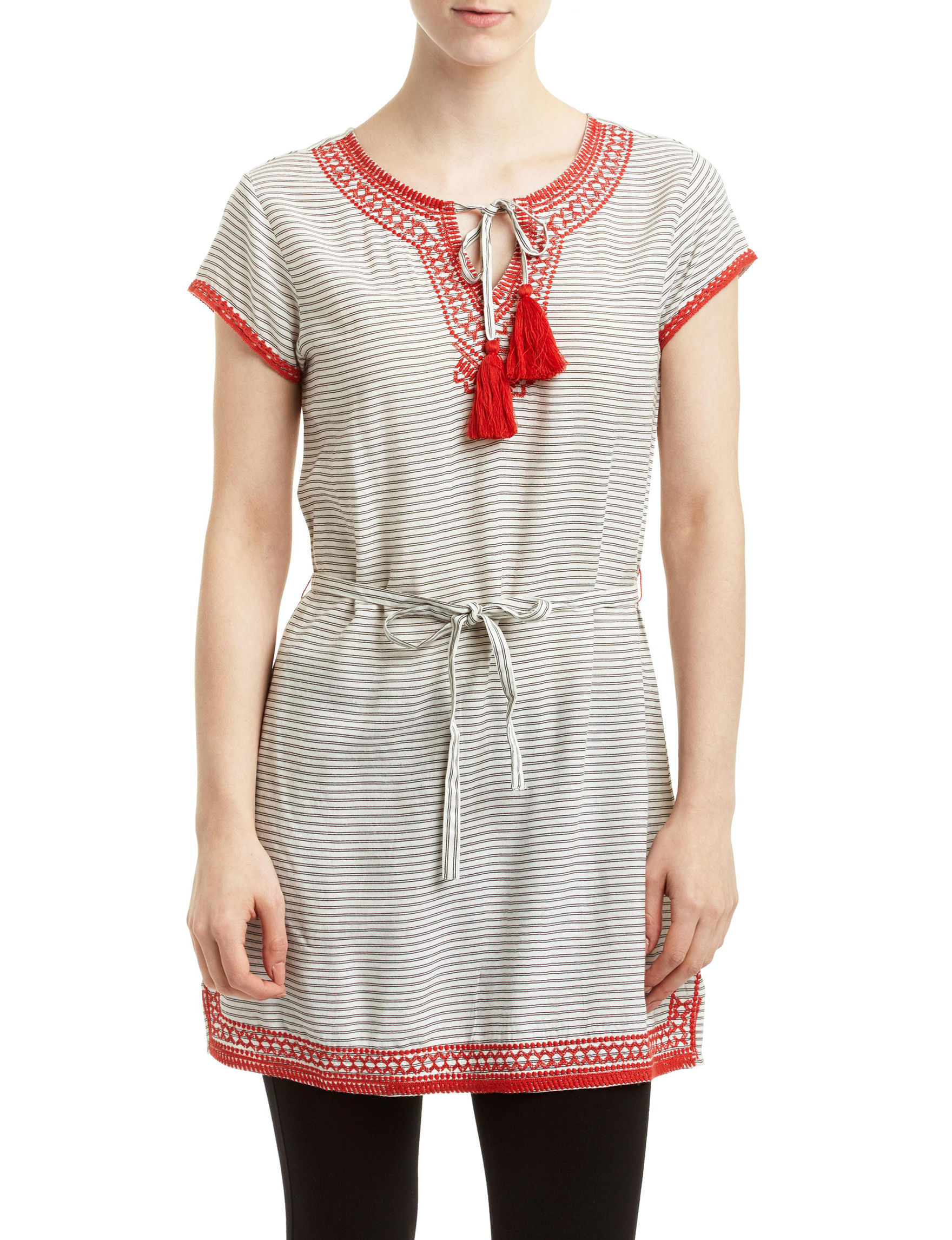Romeo + Juliet Couture White / Red Everyday & Casual Shirt Dresses