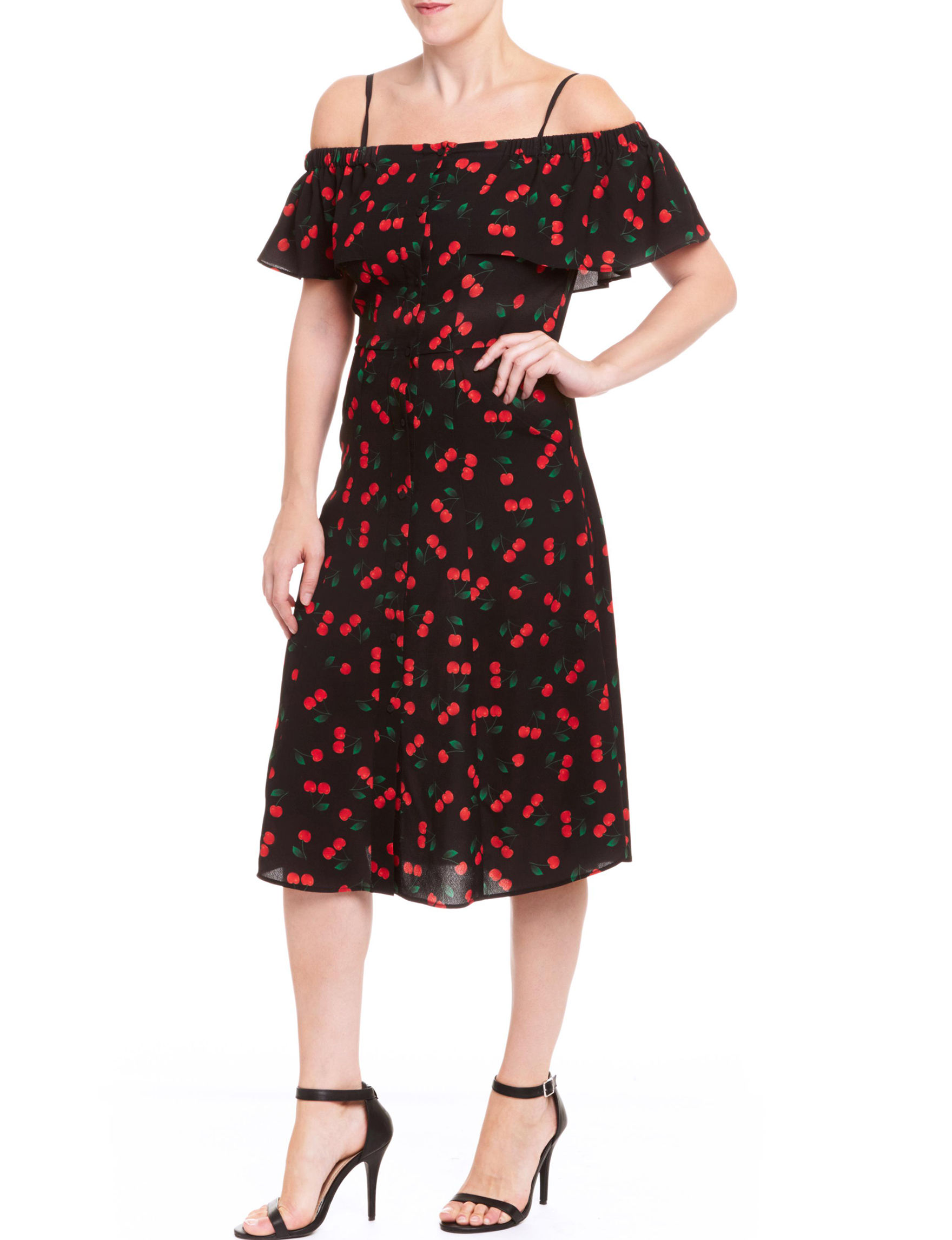 Romeo + Juliet Couture Black / Red Everyday & Casual Shift Dresses
