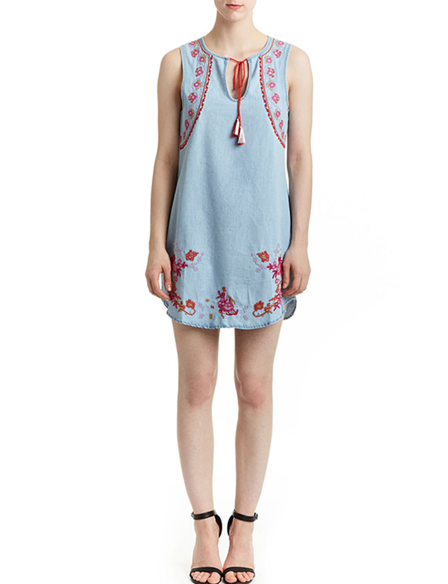 Romeo + Juliet Couture Medium Blue Everyday & Casual Shift Dresses