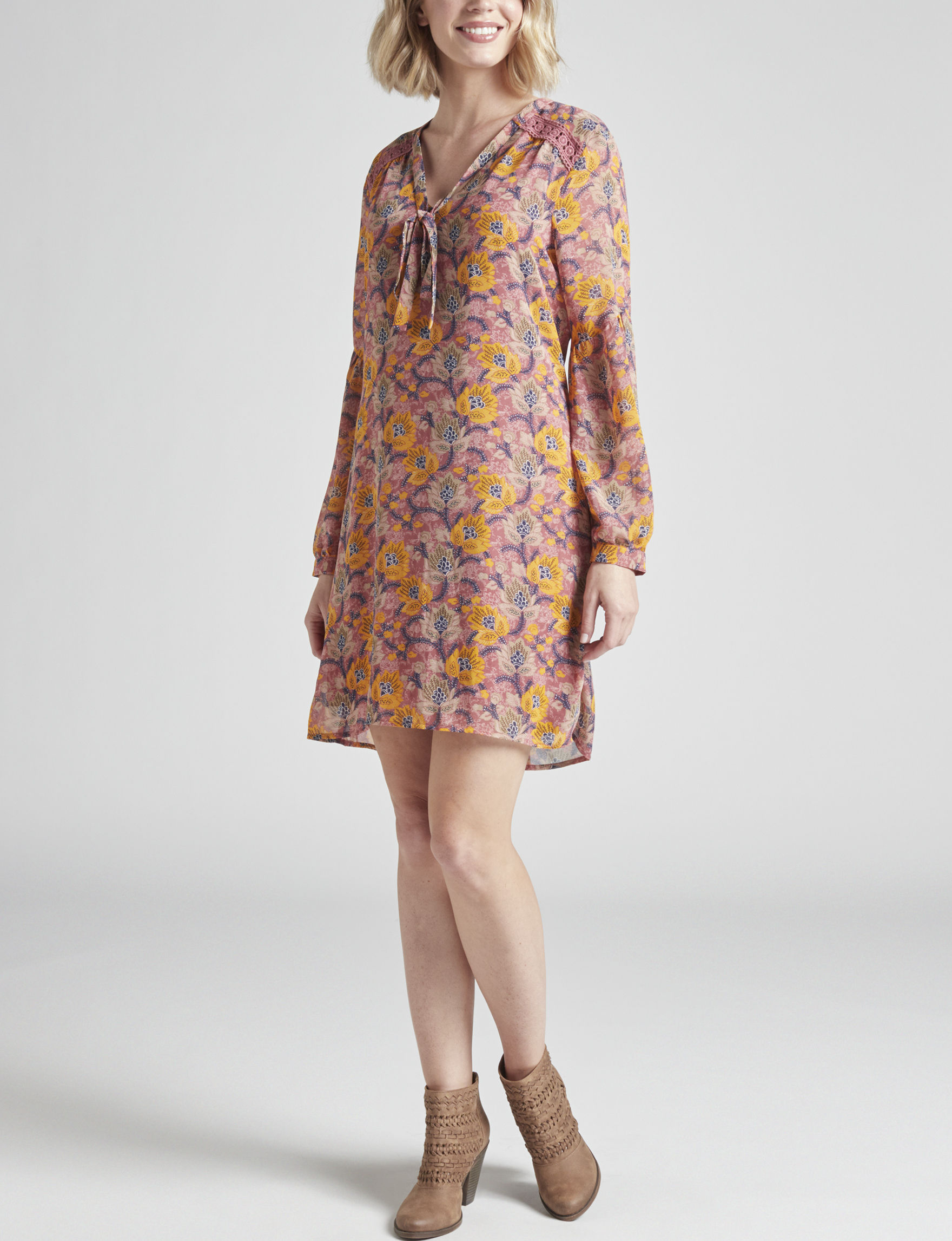 Signature Studio Pink Floral Everyday & Casual Shift Dresses