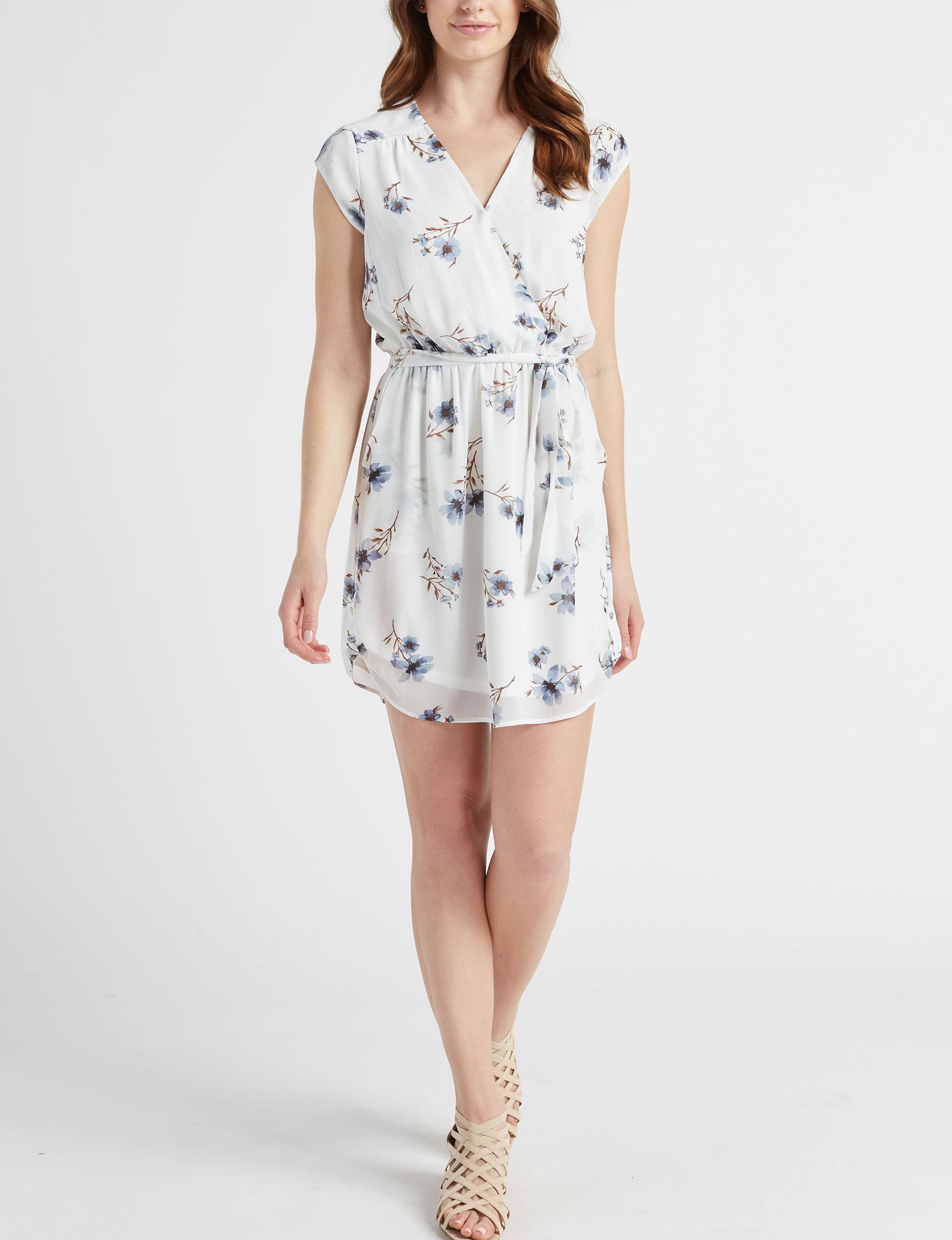 Signature Studio White Everyday & Casual A-line Dresses