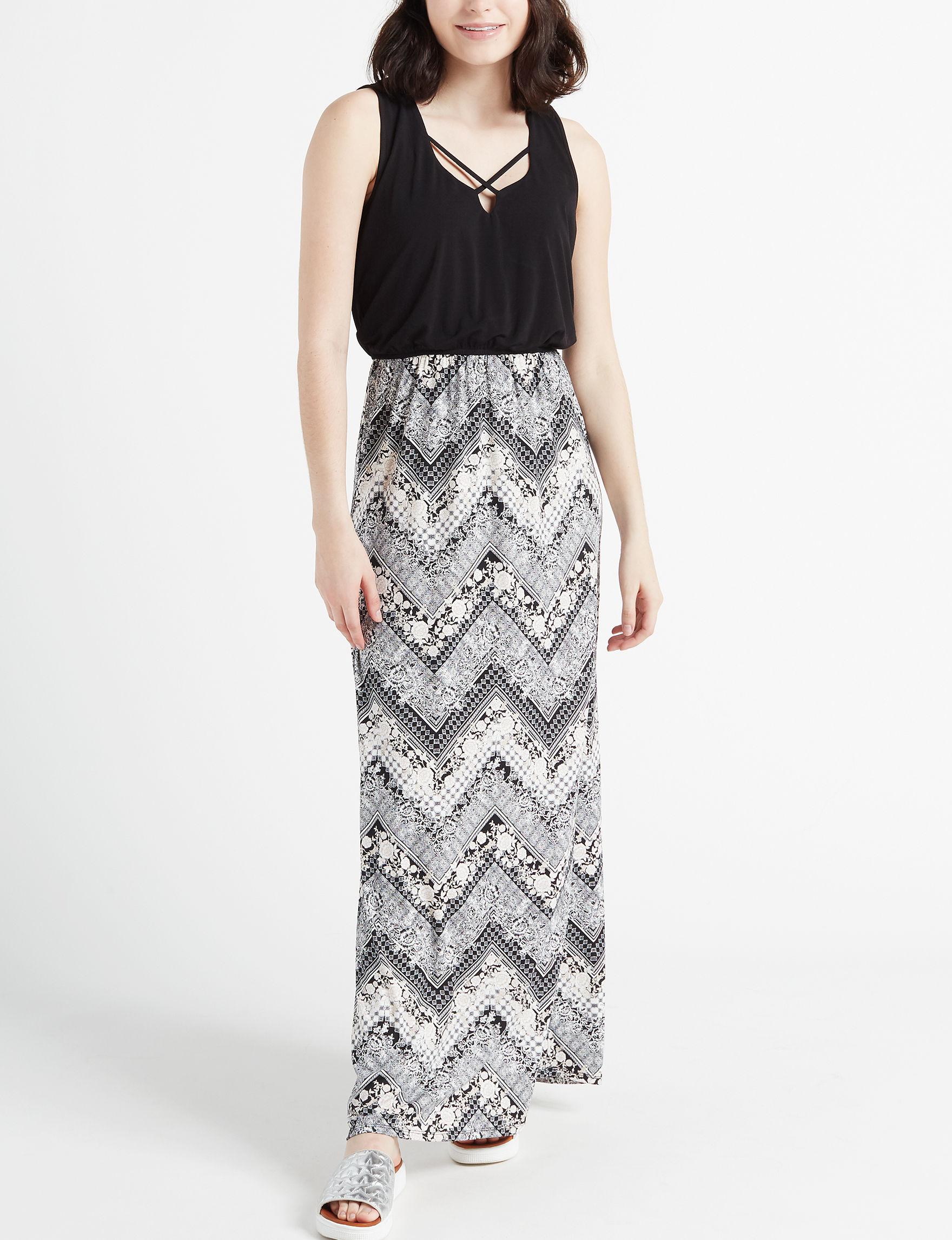 25eef08cd93 Trixxi Juniors  Floral Chevron Crisscross Maxi Dress