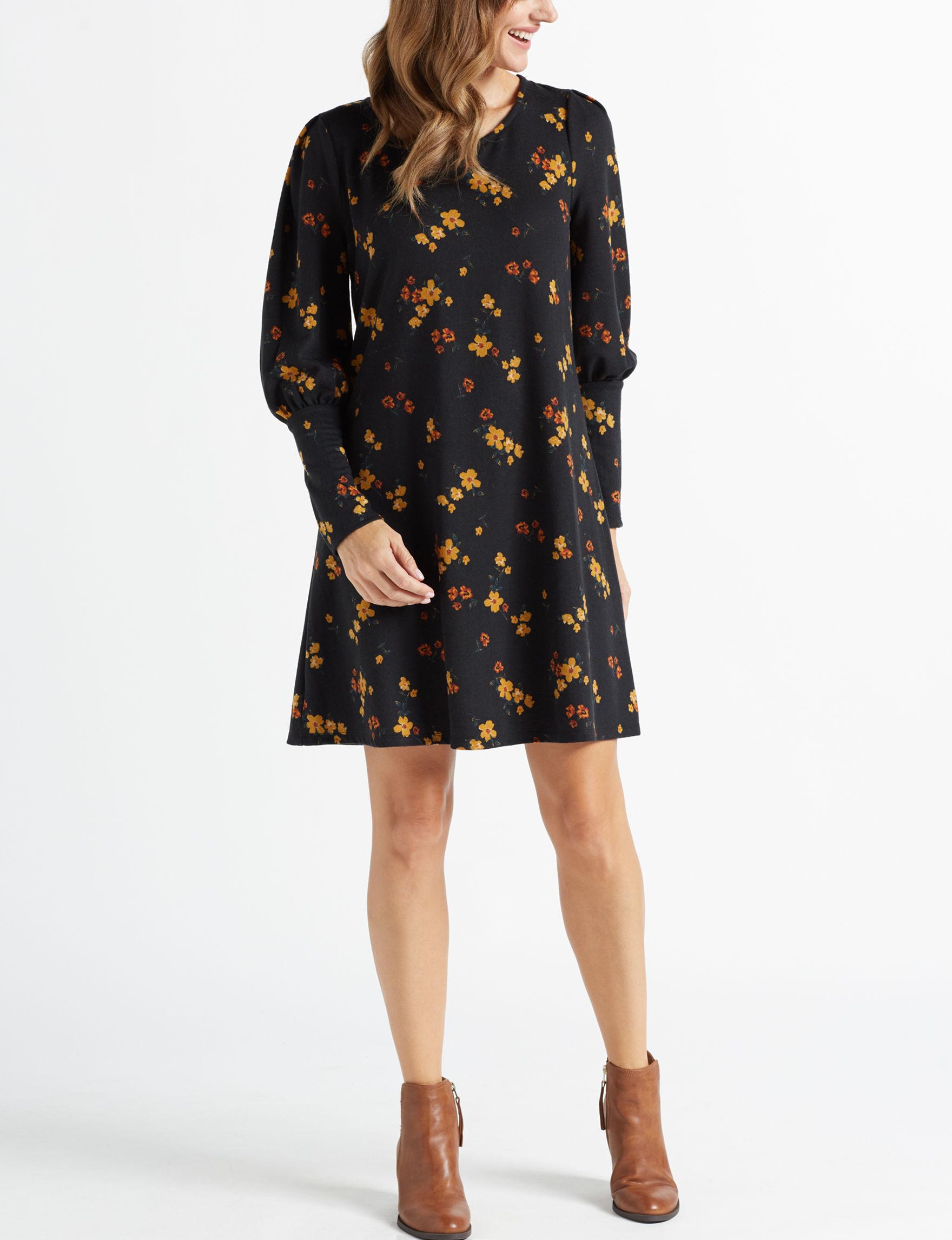 Signature Studio Black Floral Shift Dresses