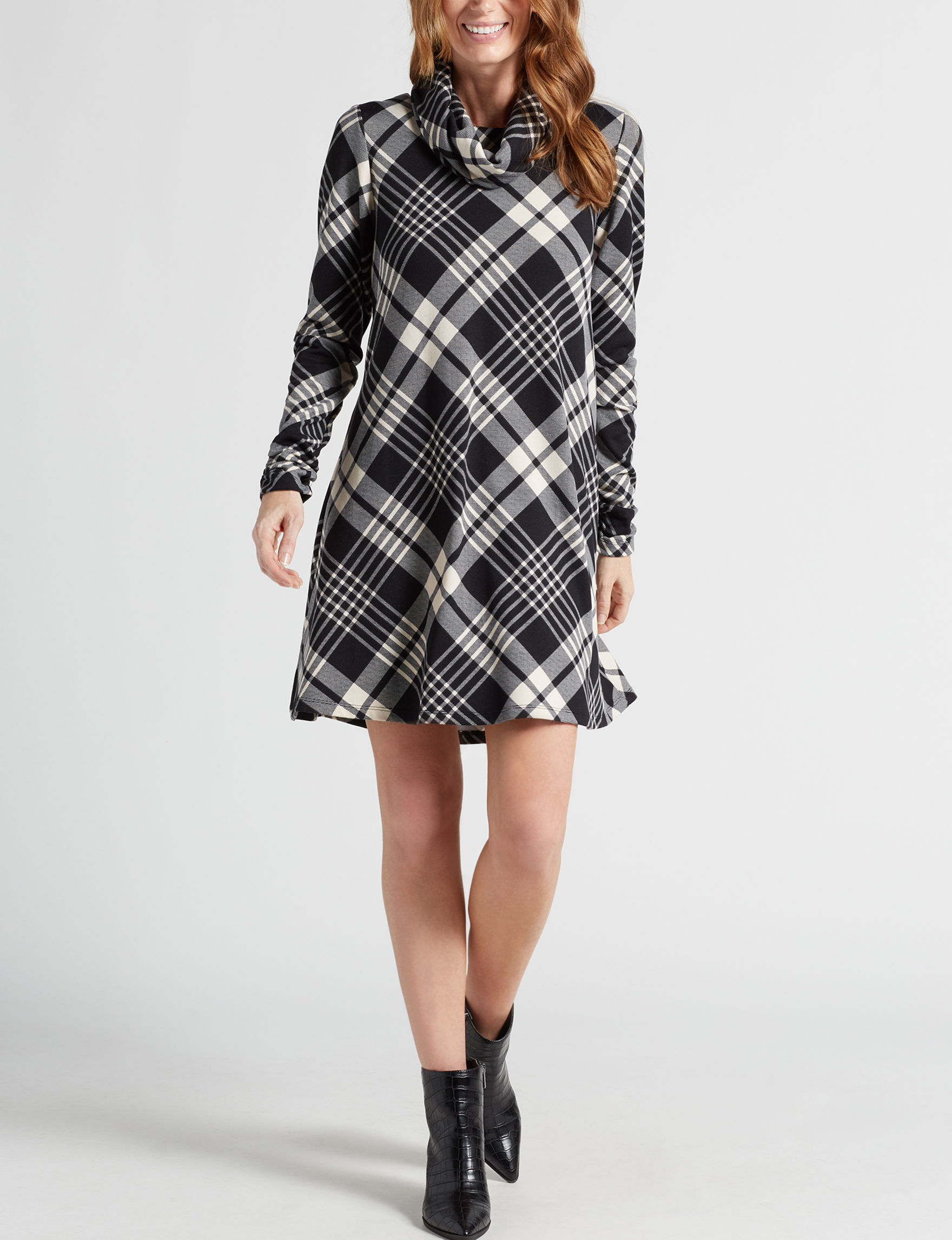 Madison Leigh Black Plaid Everyday & Casual Shift Dresses