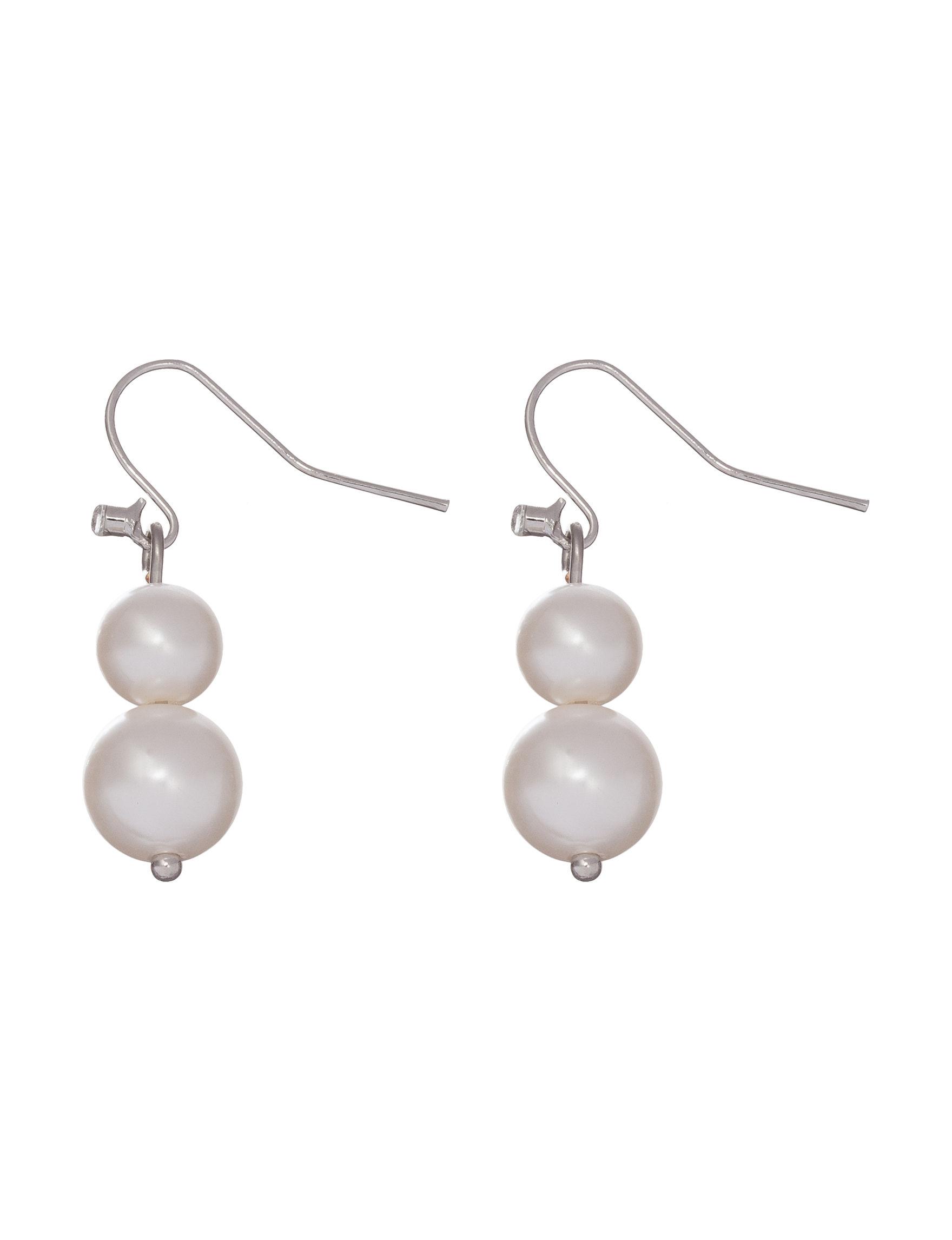 Hannah Silver / Pearl Fashion Jewelry