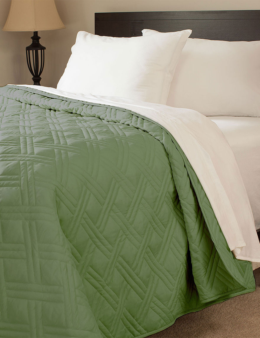 Lavish Home Green Quilts & Quilt Sets