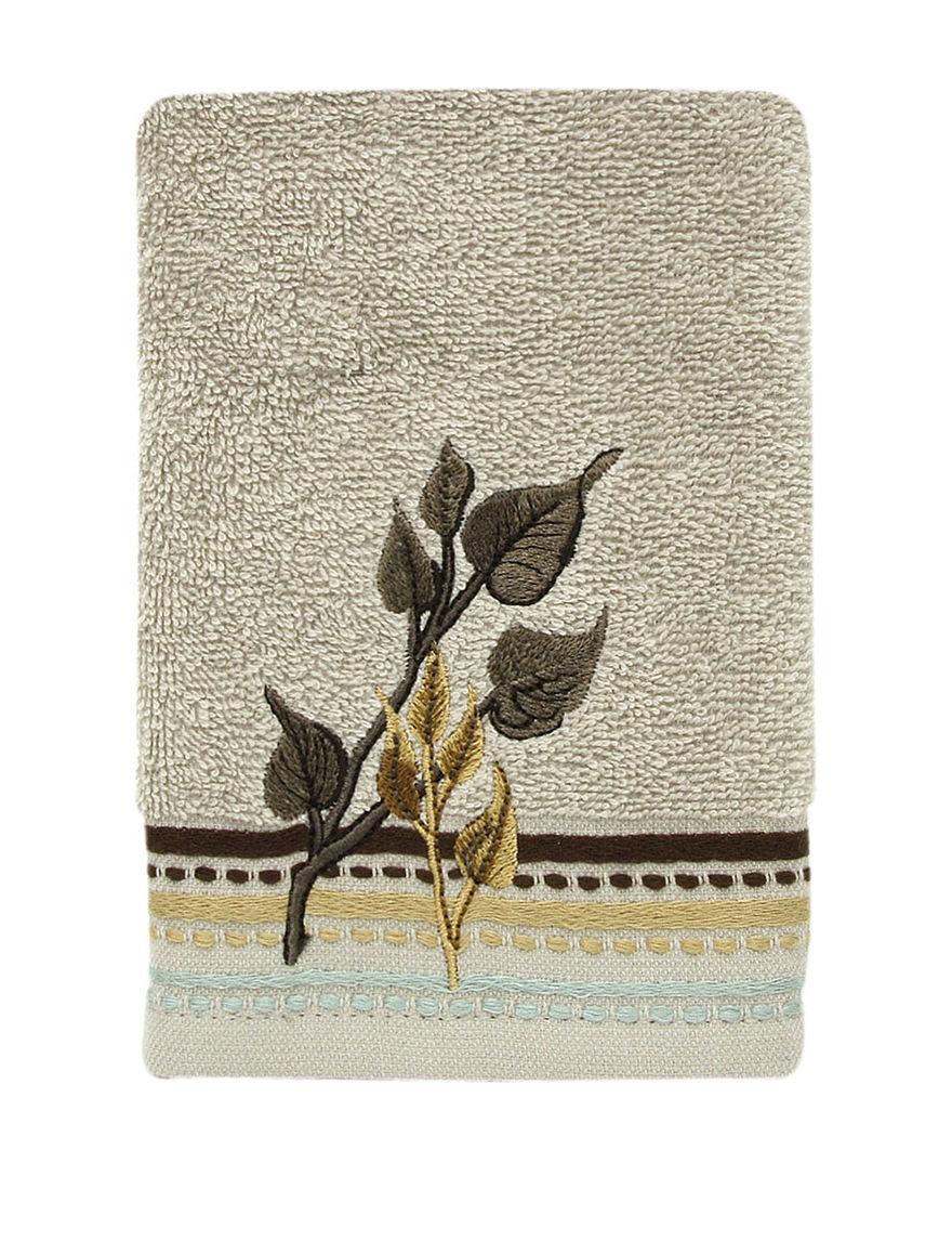 Bacova Guild Cream Fingertip Towels