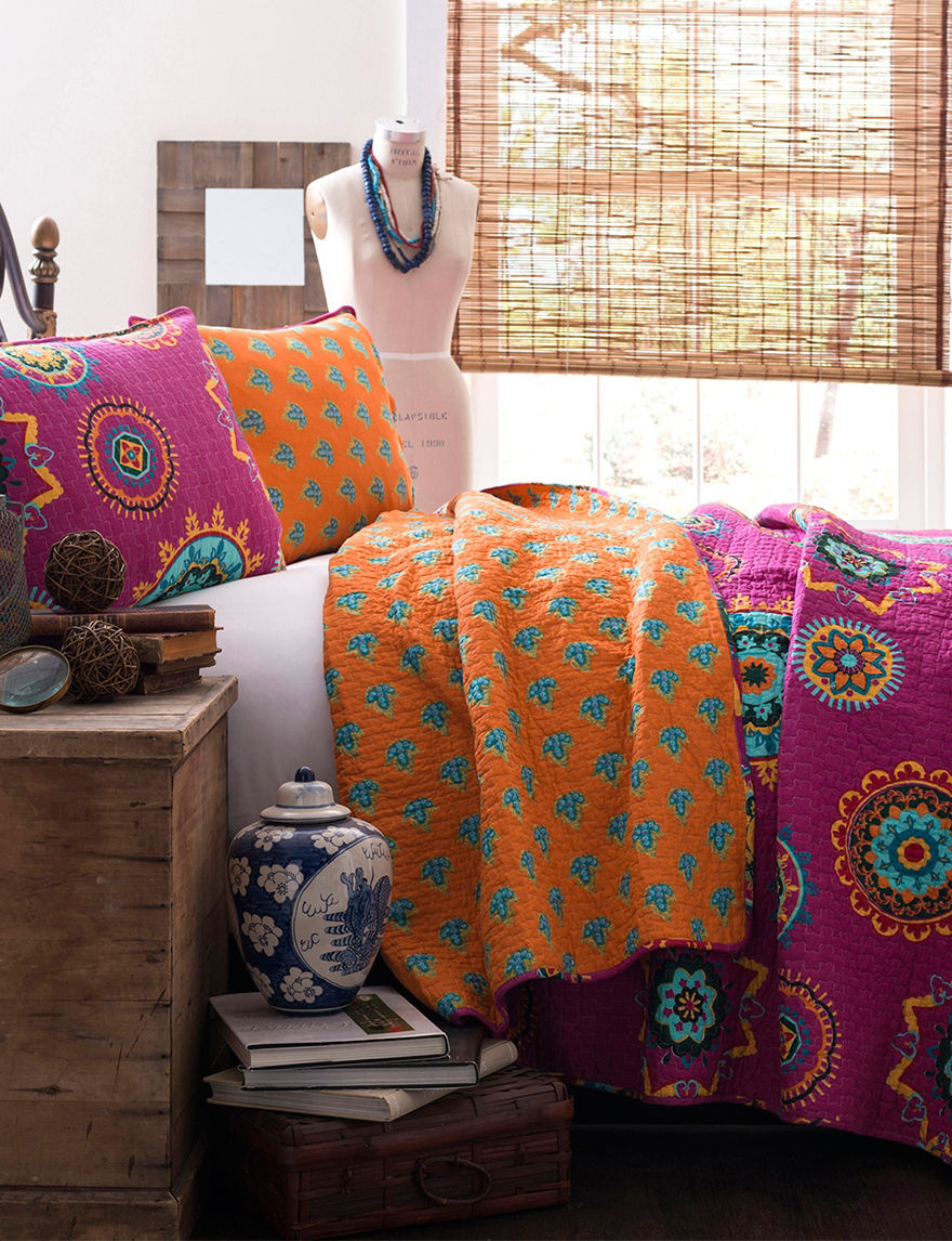 Lush Decor Fuchsia Quilts & Quilt Sets