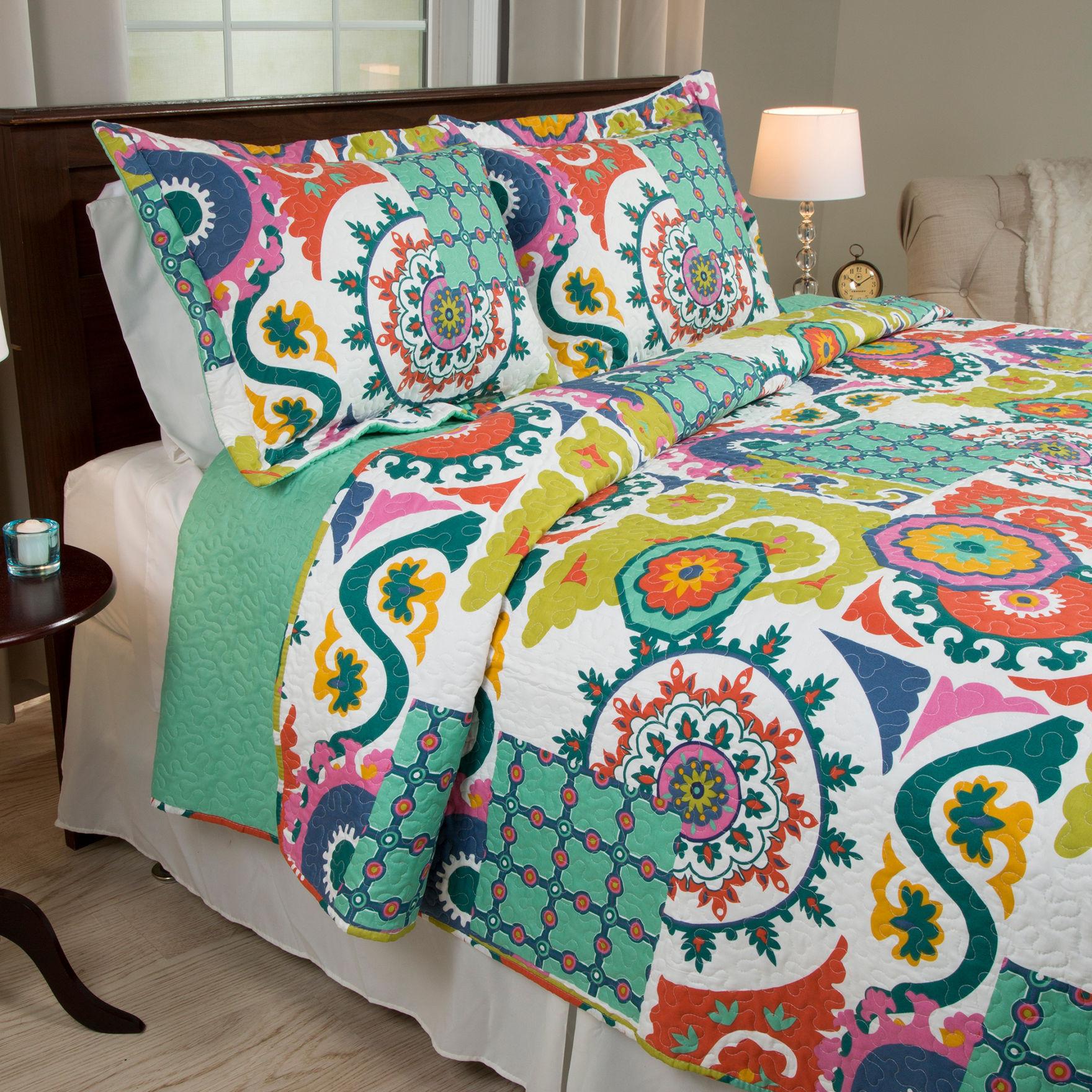 Lavish Home Orange / Green Quilts & Quilt Sets