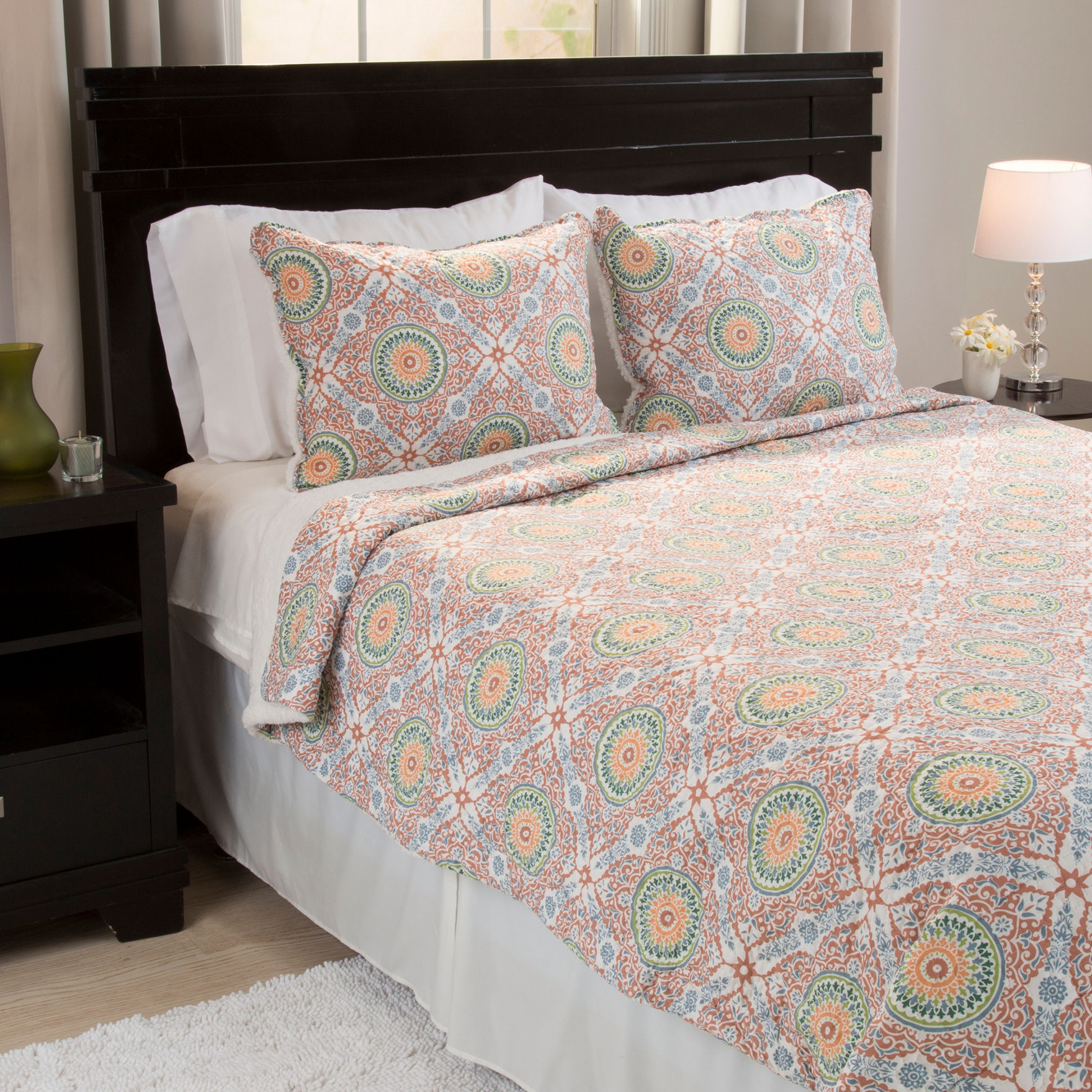 Lavish Home Blue/ Green/ Beige Quilts & Quilt Sets