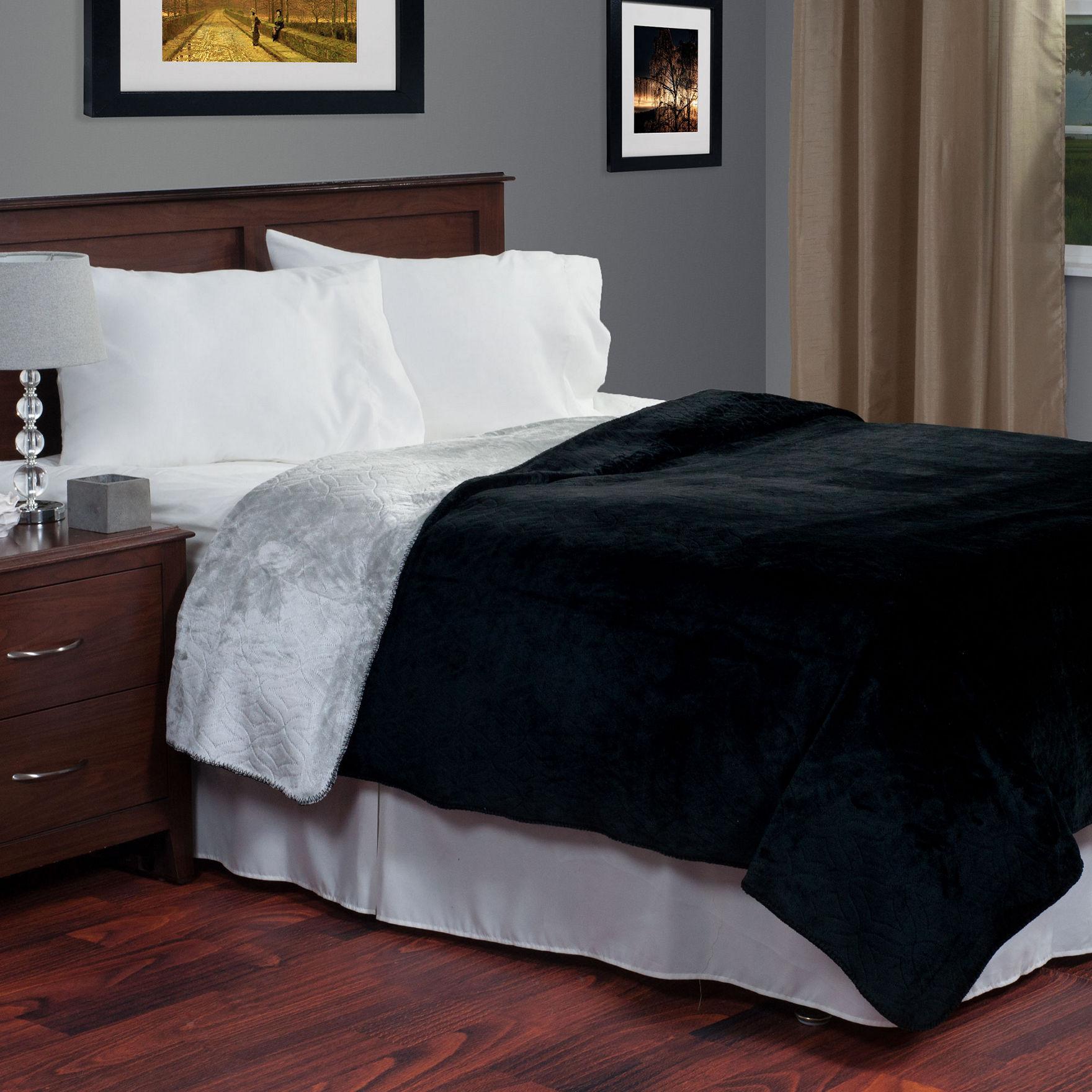 Lavish Home Black/Grey Blankets & Throws