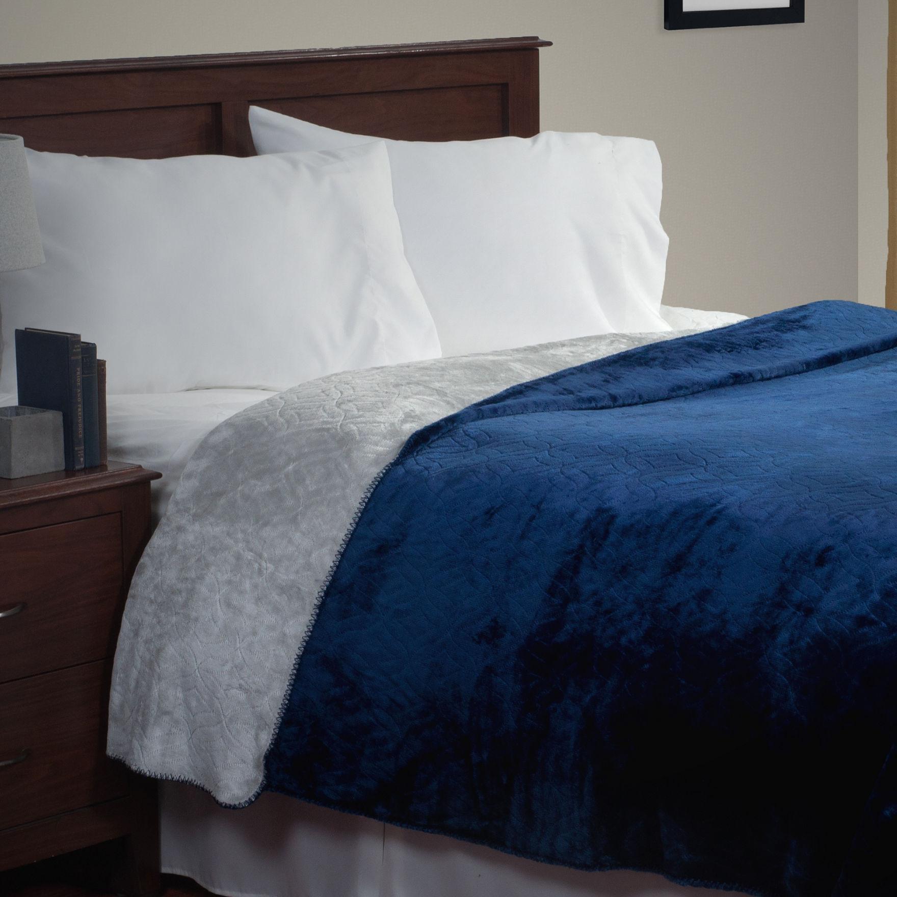 Lavish Home Blue / Grey Blankets & Throws