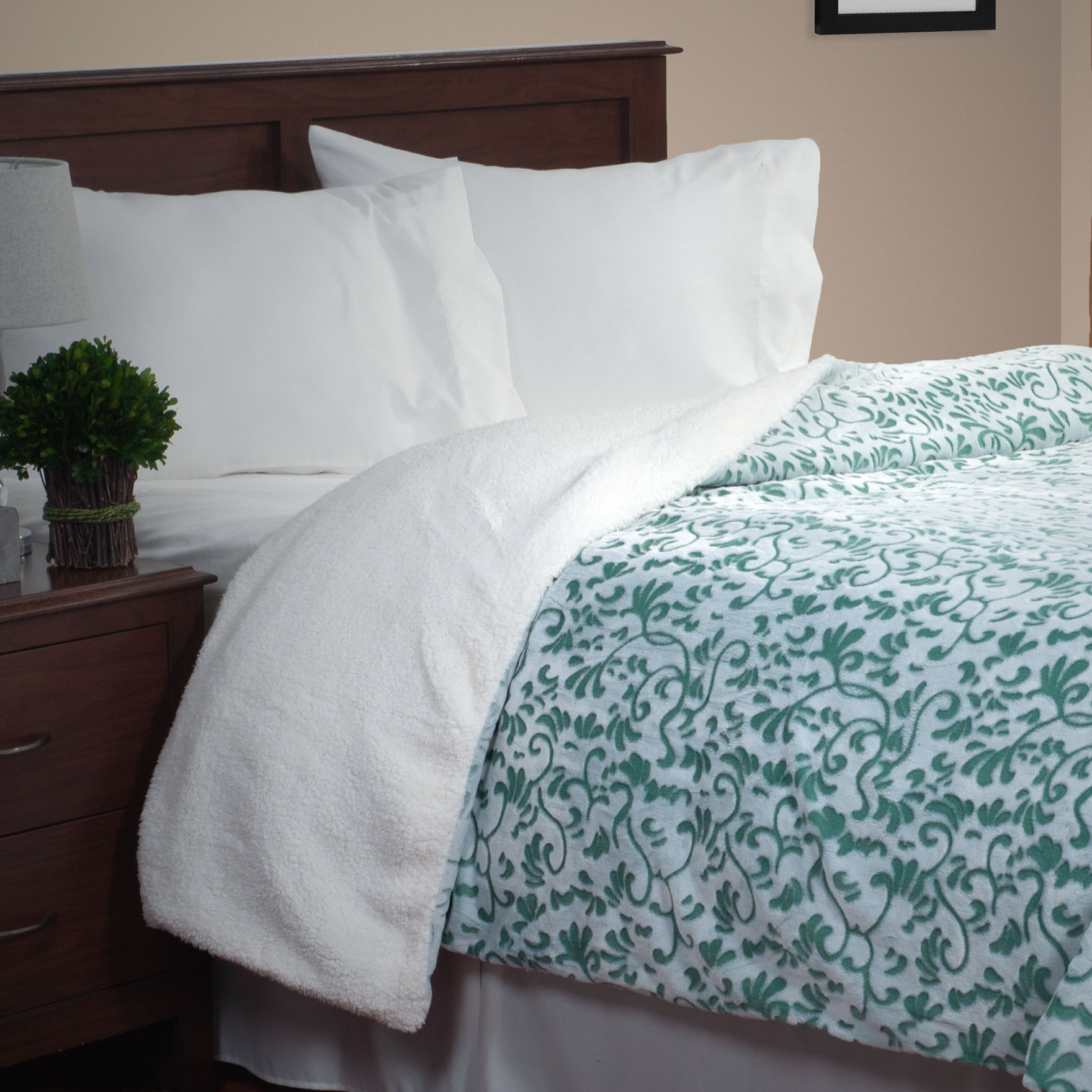 Lavish Home Green Blankets & Throws