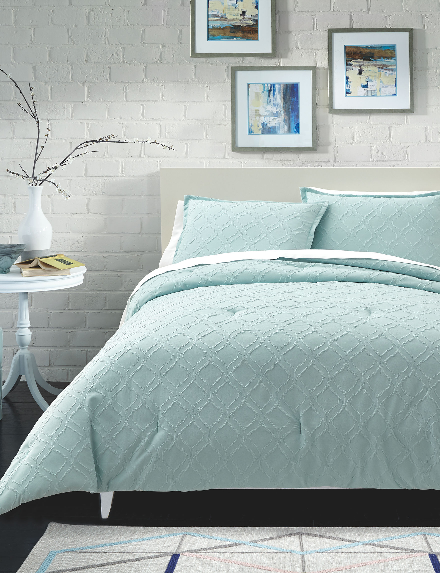 Great Hotels Collection Aqua Quilts & Quilt Sets