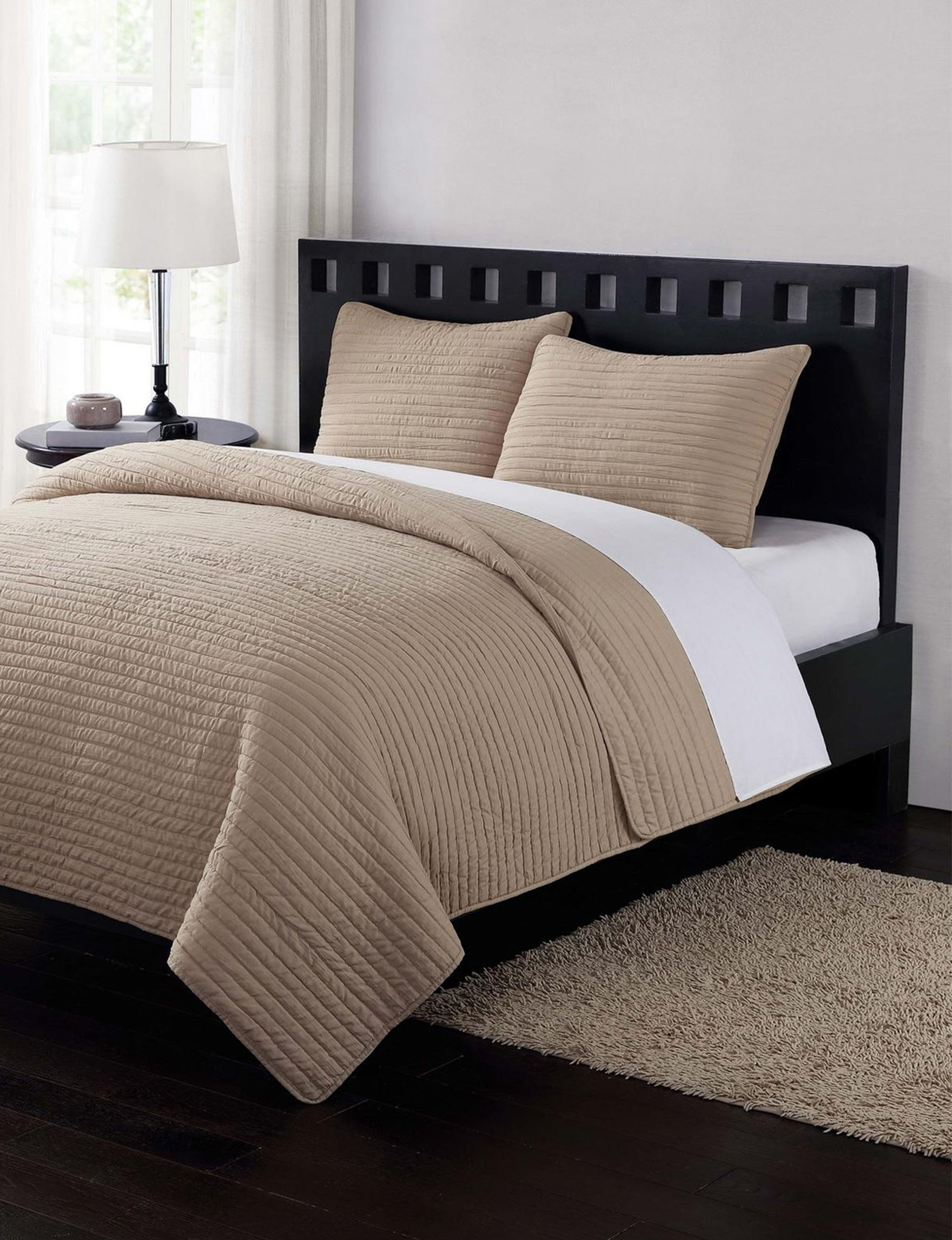 London Fog Taupe Quilts & Quilt Sets