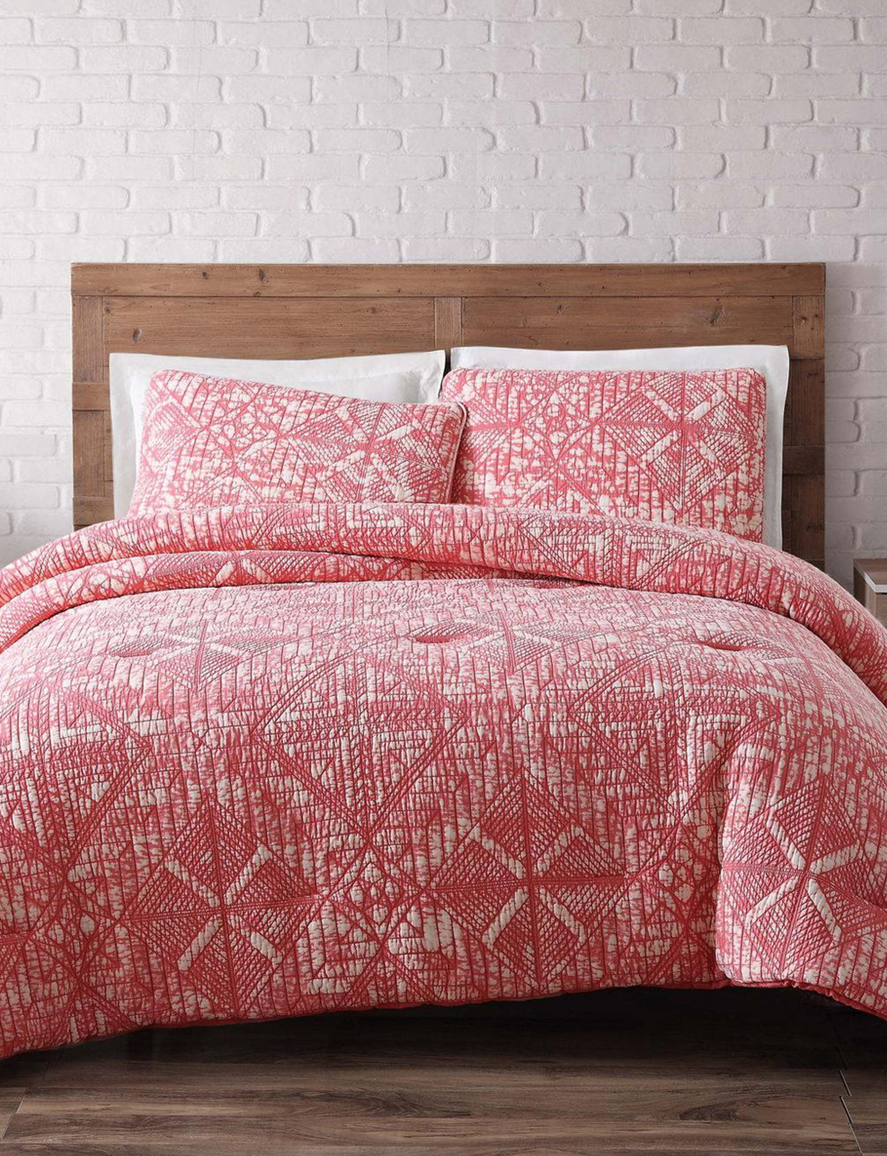 Brooklyn Loom Coral Quilts & Quilt Sets