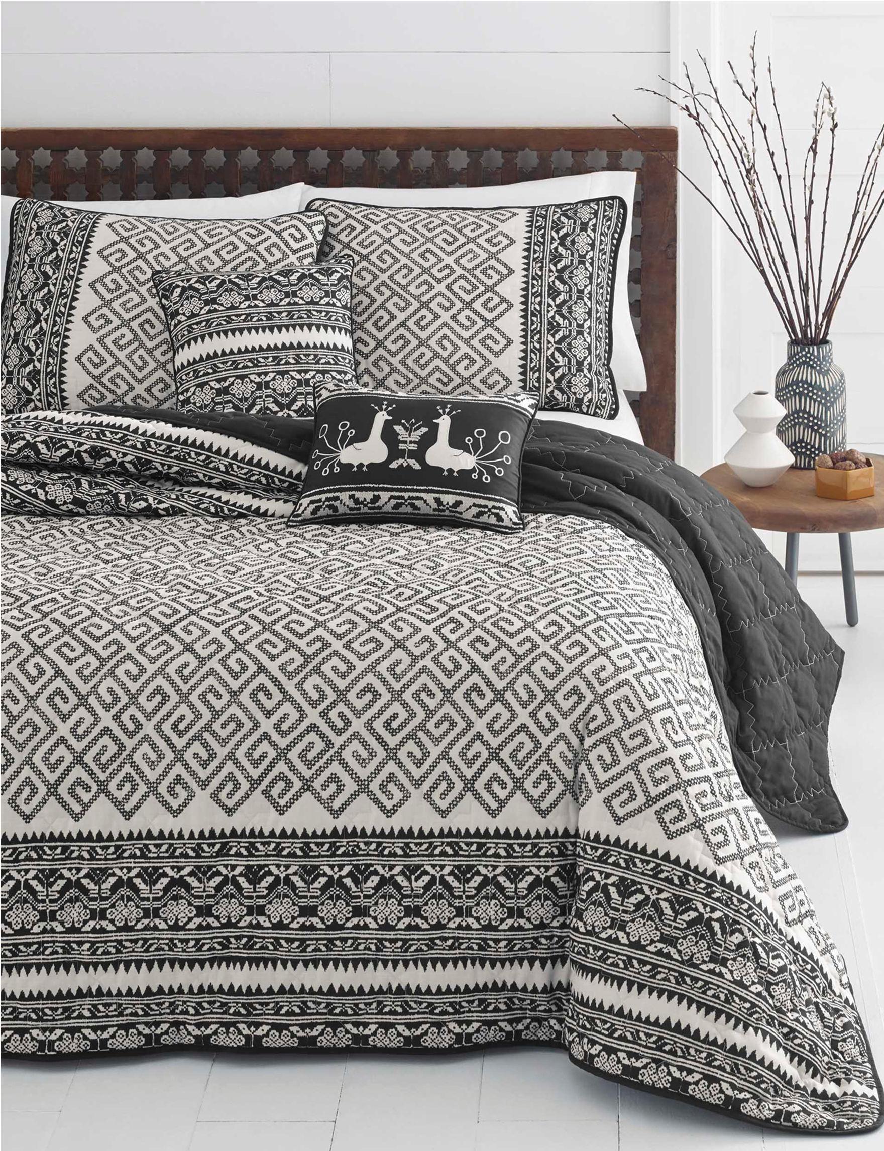Azalea Beige Quilts & Quilt Sets