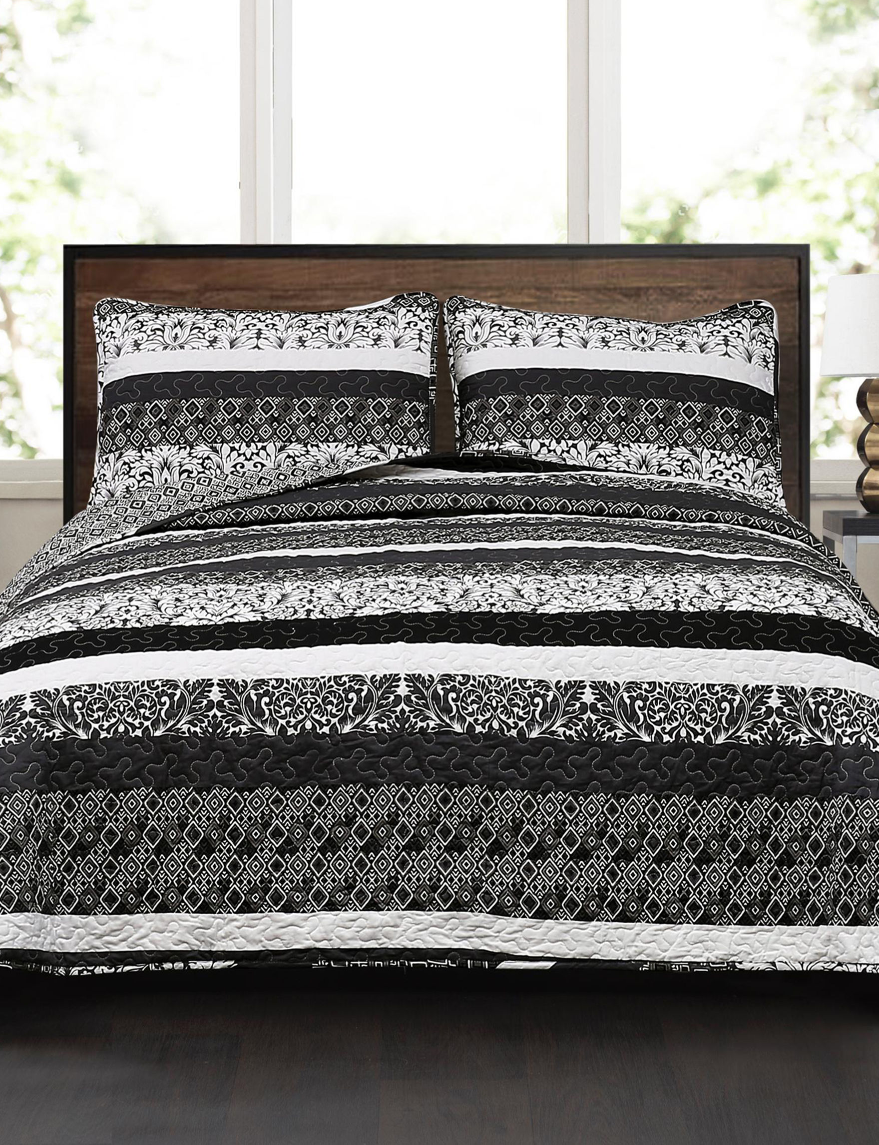 Lush Decor Black / White Quilts & Quilt Sets