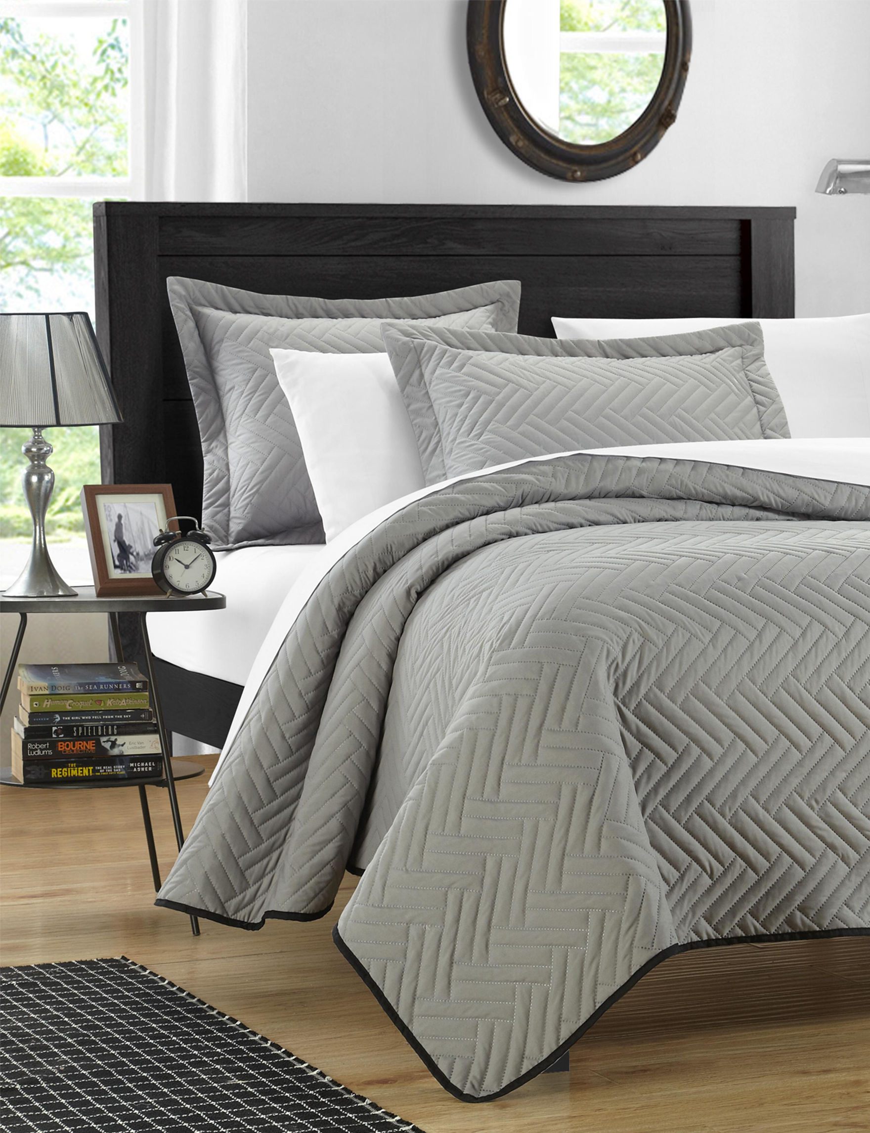 Chic Home Design Silver Quilts & Quilt Sets