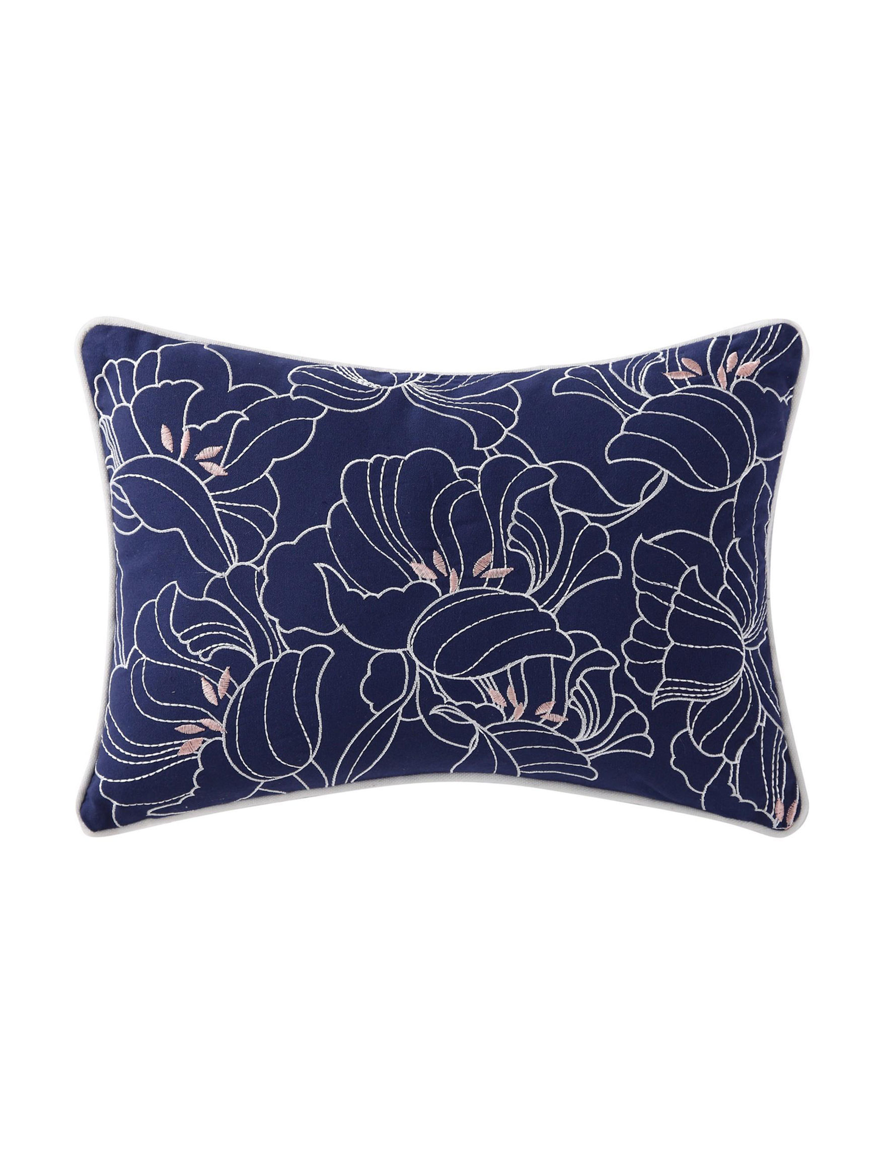Oceanfront Resort Navy / White Bed Pillows Decorative Pillows