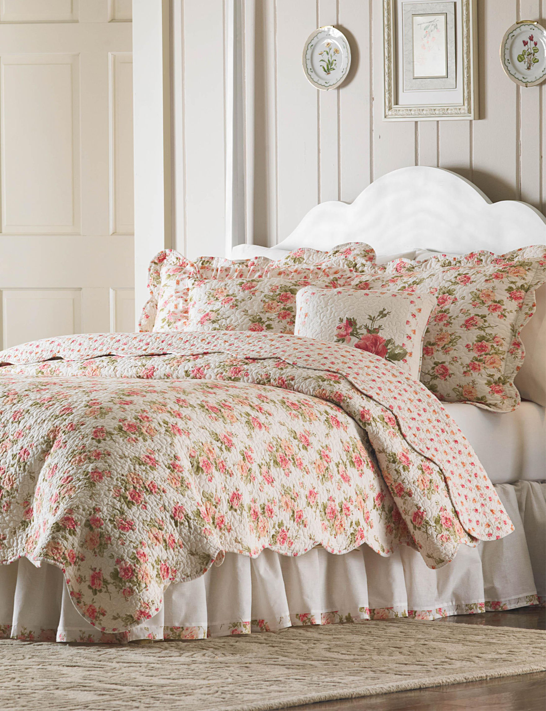 Mary Jane's Home Floral Quilts & Quilt Sets