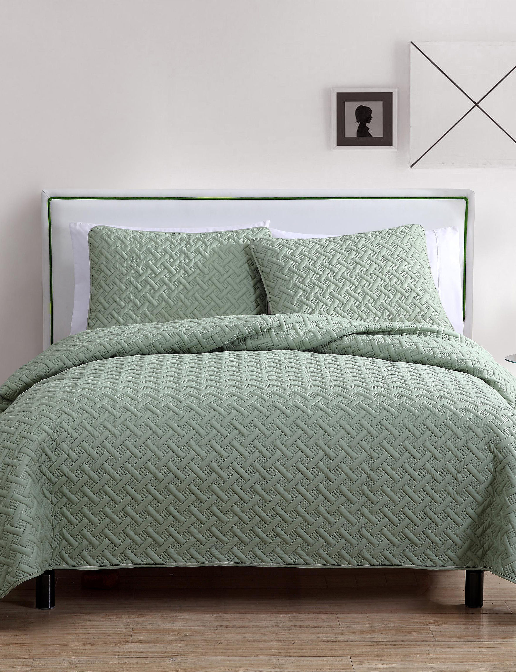 VCNY Home Green Quilts & Quilt Sets