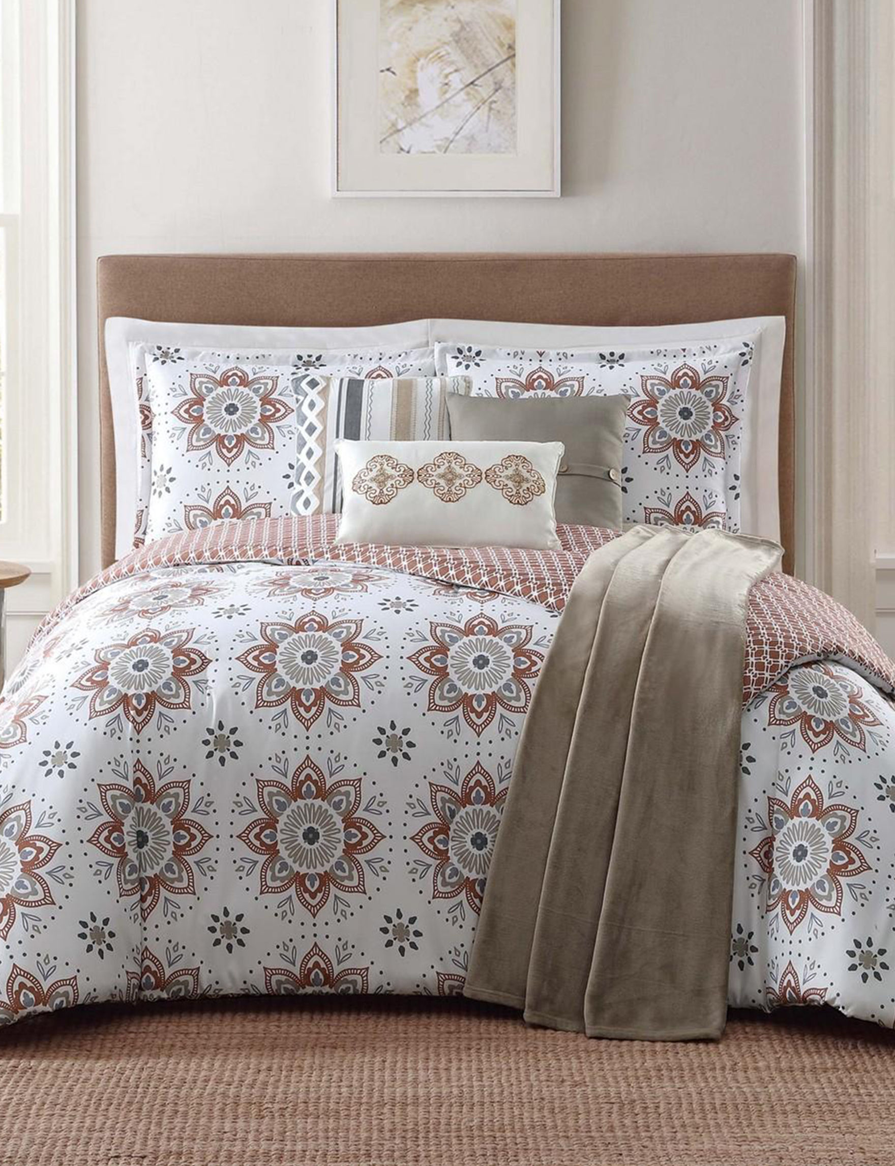 Jennifer Adams White / Red Comforters & Comforter Sets