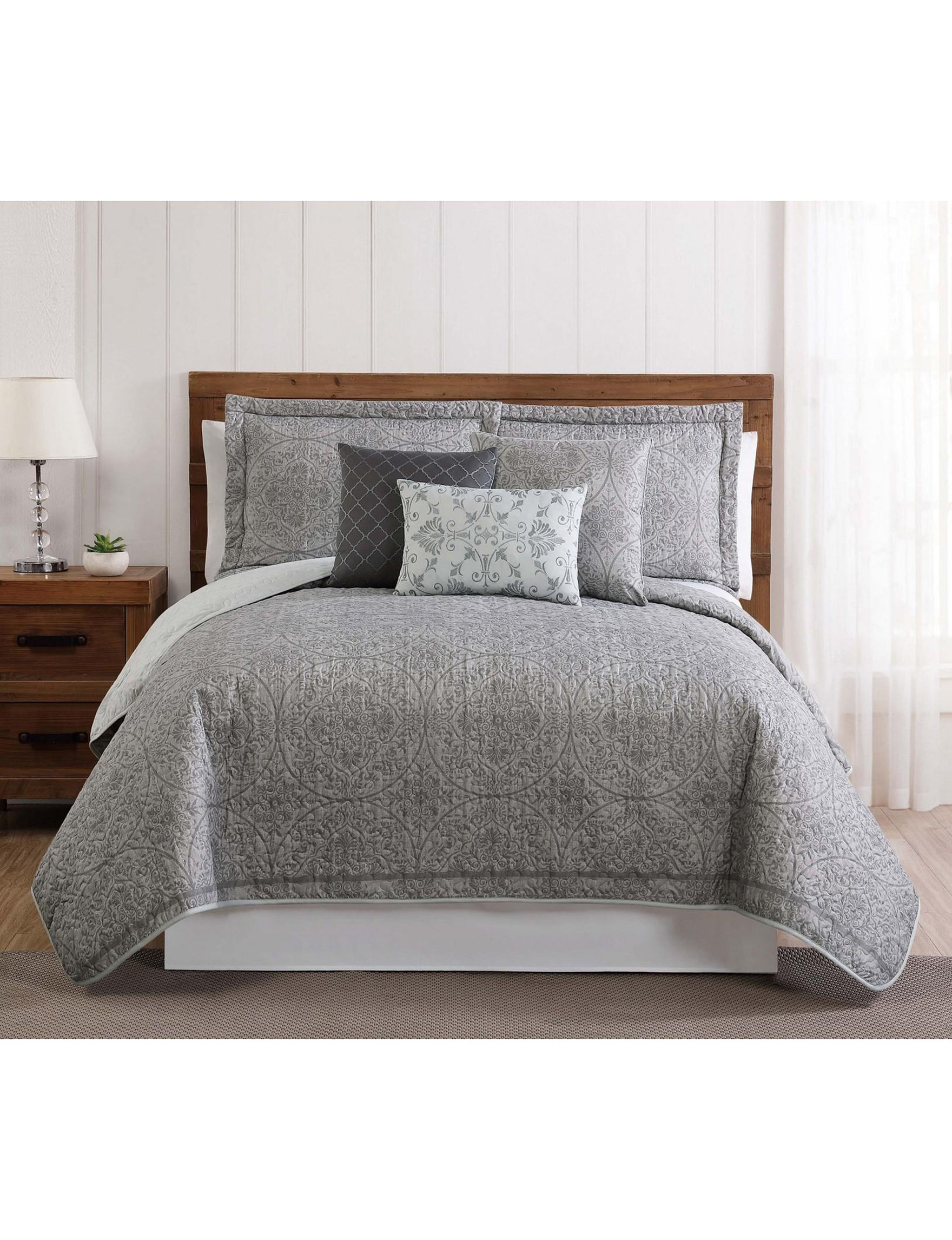 Style 212 Grey / White Quilts & Quilt Sets