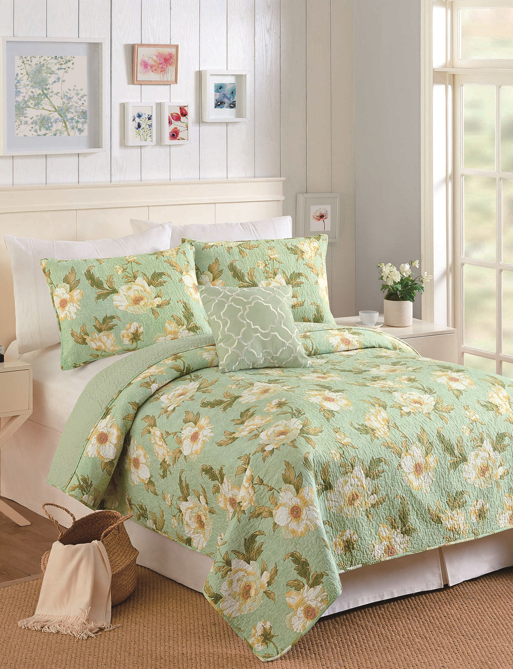 Modern Heirloom Green Multi Quilts & Quilt Sets