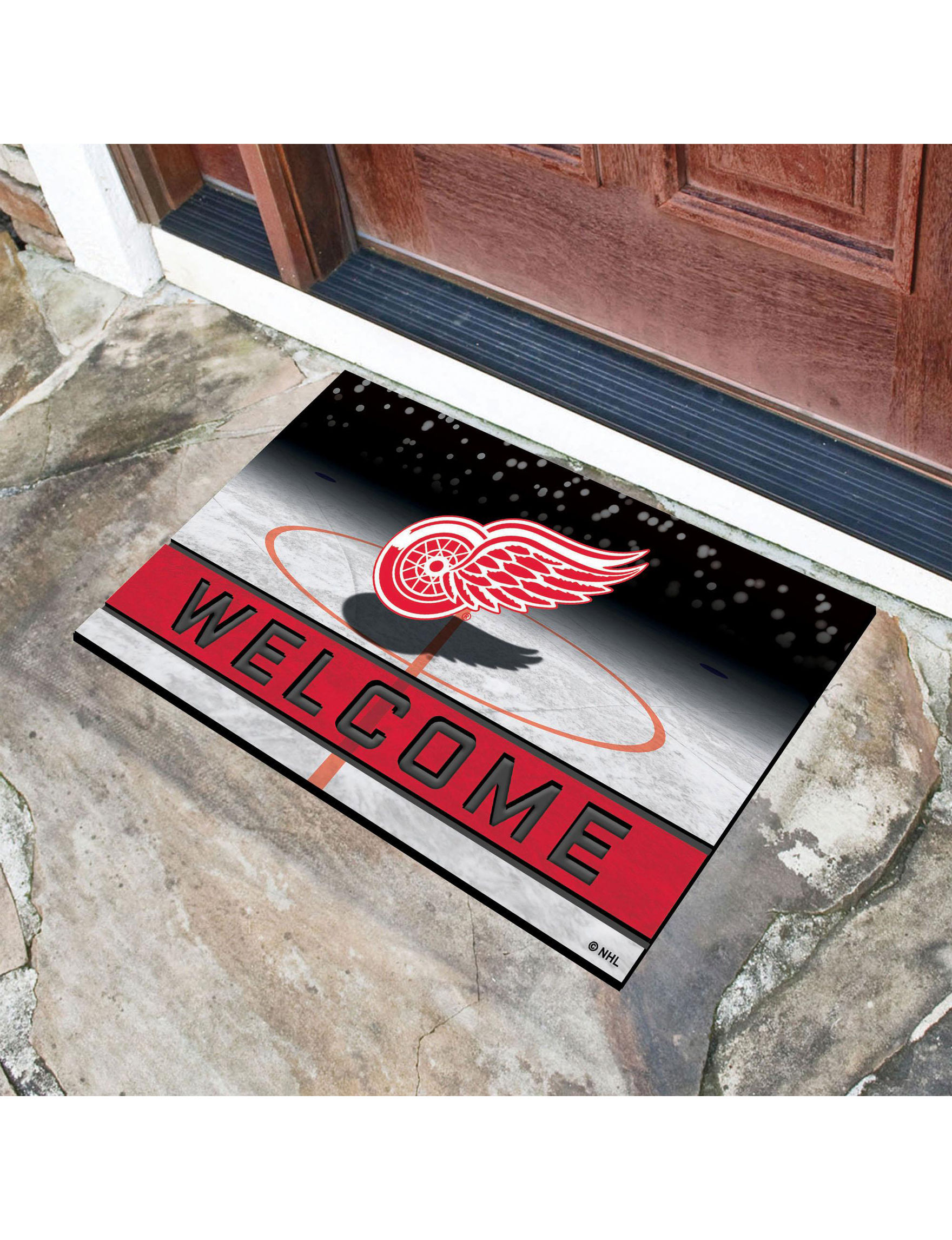 Fanmats Red / White Outdoor Rugs & Doormats Outdoor Decor