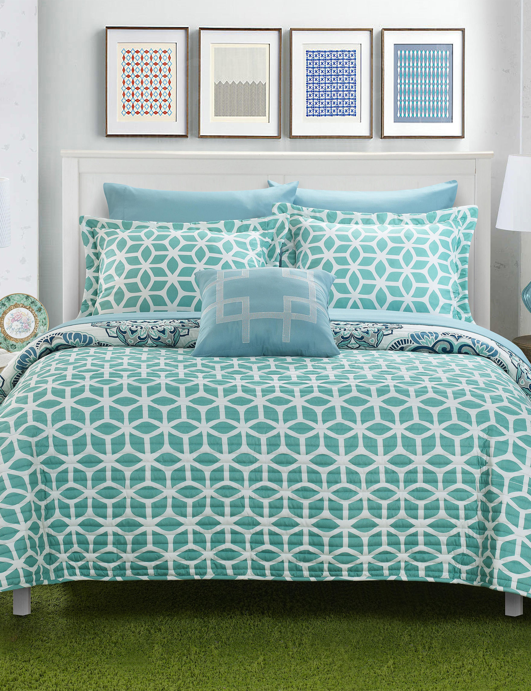 Chic Home Design Green Quilts & Quilt Sets