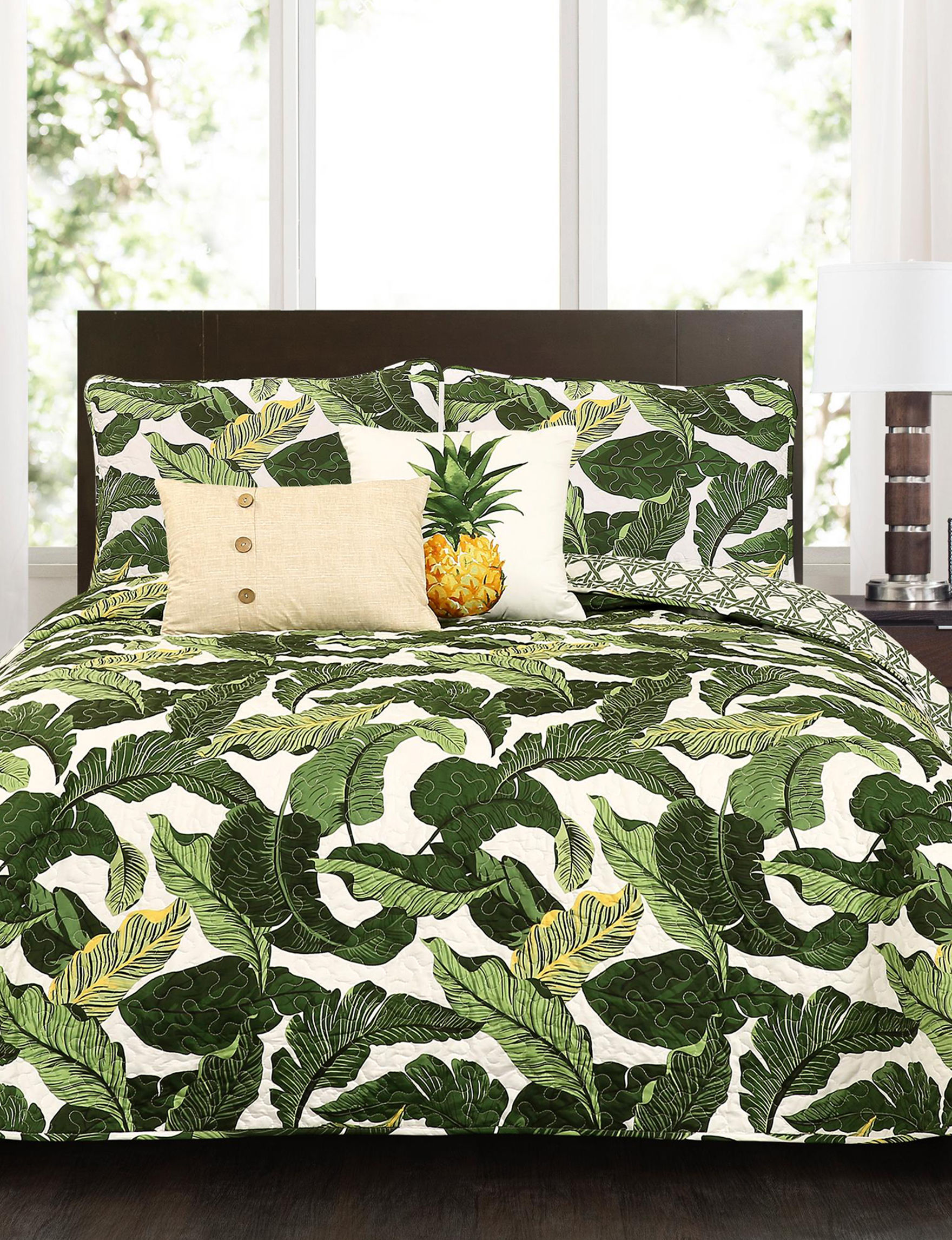 Lush Decor White / Green Quilts & Quilt Sets