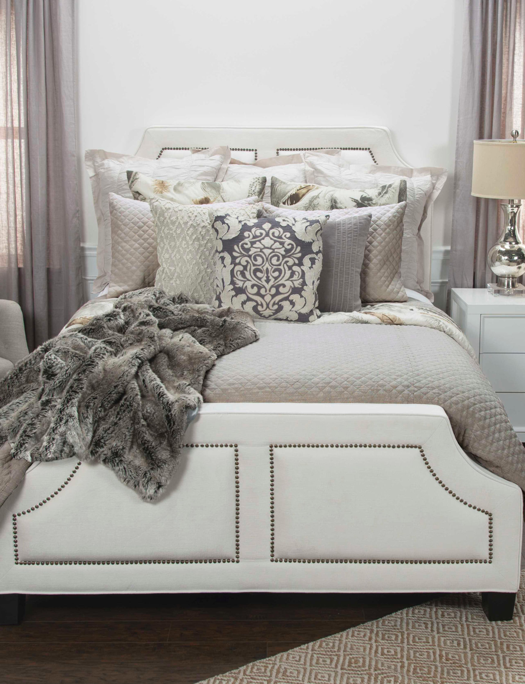 Rizzy Home Beige Quilts & Quilt Sets