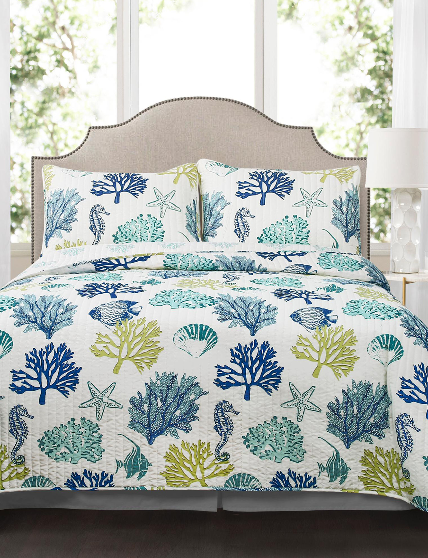 Lush Decor Navy / White Quilts & Quilt Sets
