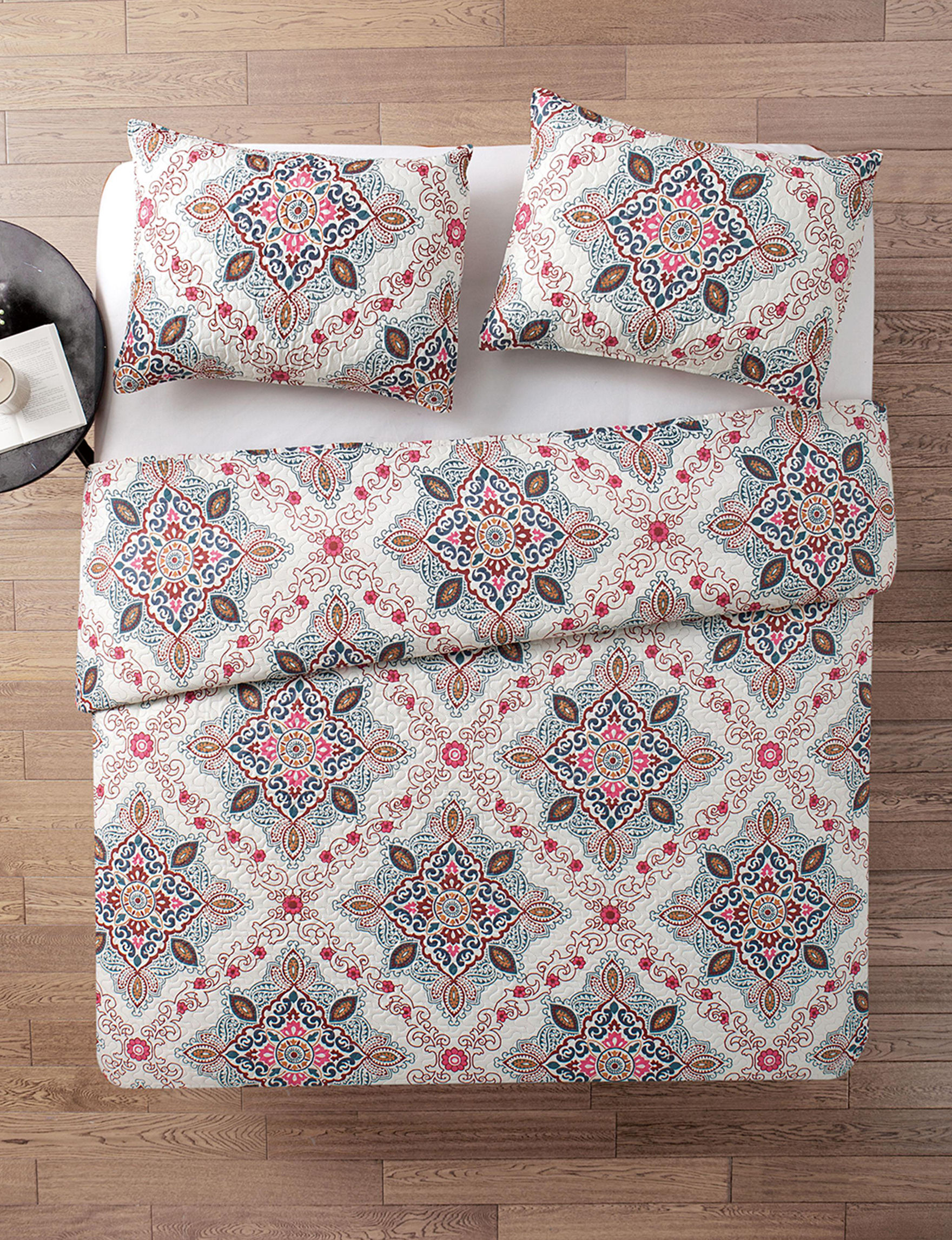 VCNY Home White Multi Quilts & Quilt Sets